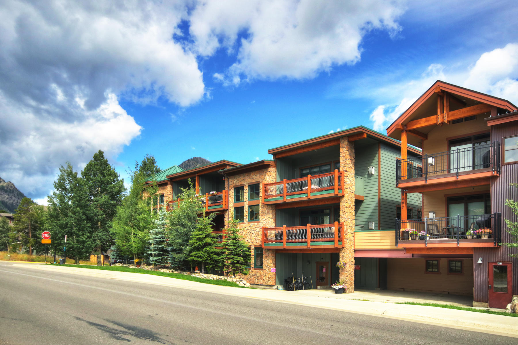 Condominiums para Venda às Condos off Main #3 156 S 4th Ave S #3, Frisco, Colorado 80443 Estados Unidos