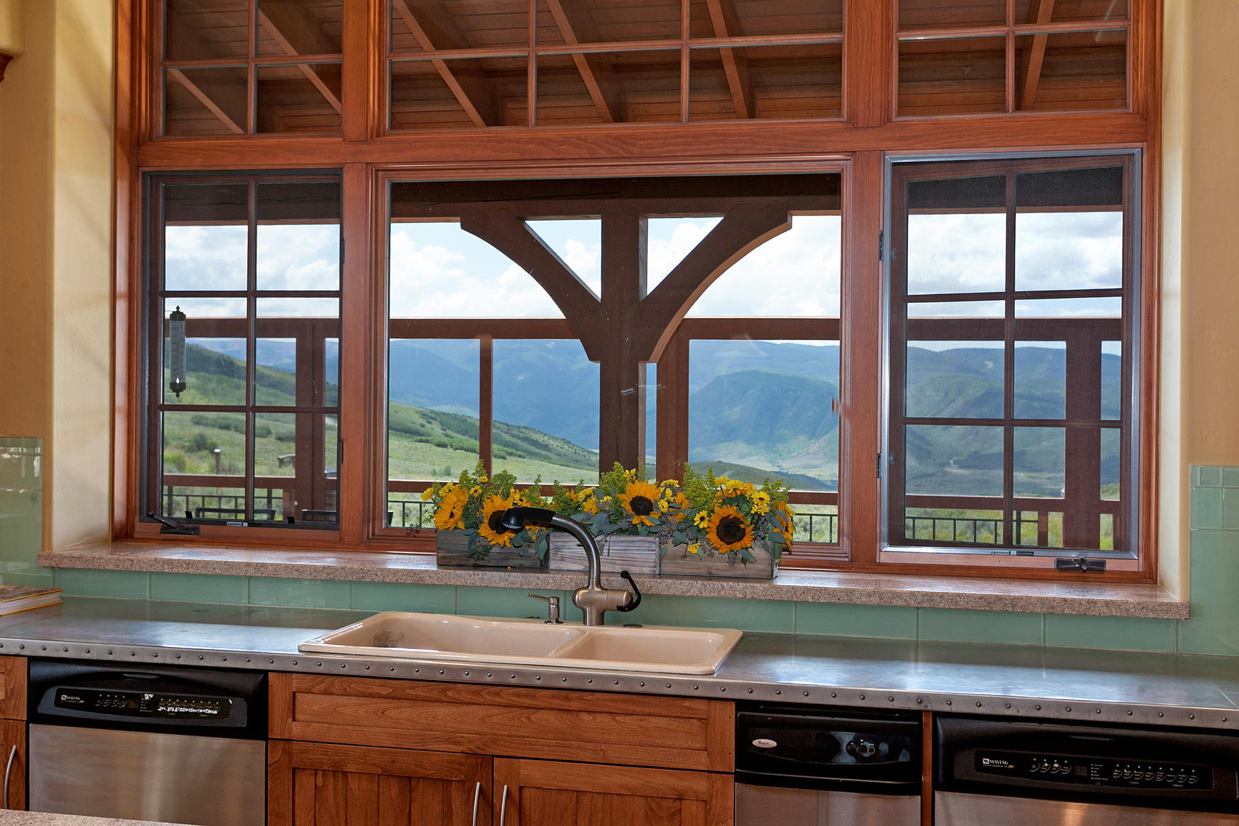 Additional photo for property listing at Mountain Modern Ranch 318 Kicking Horse Trl Edwards, Colorado 81632 United States