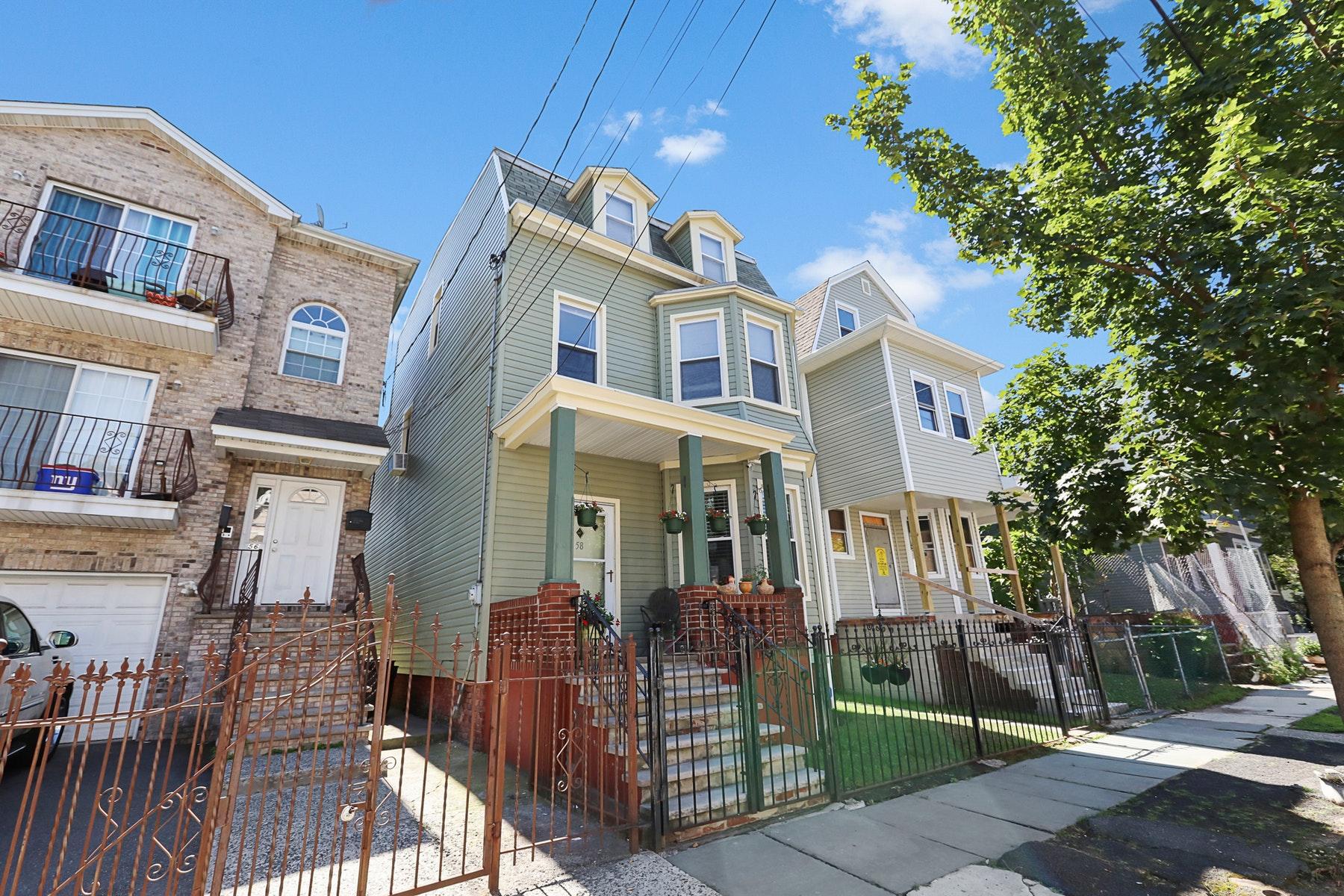 獨棟家庭住宅 為 出售 在 Charming Six Bedroom Home 58 South 12th Street, Newark, 新澤西州 07107 美國