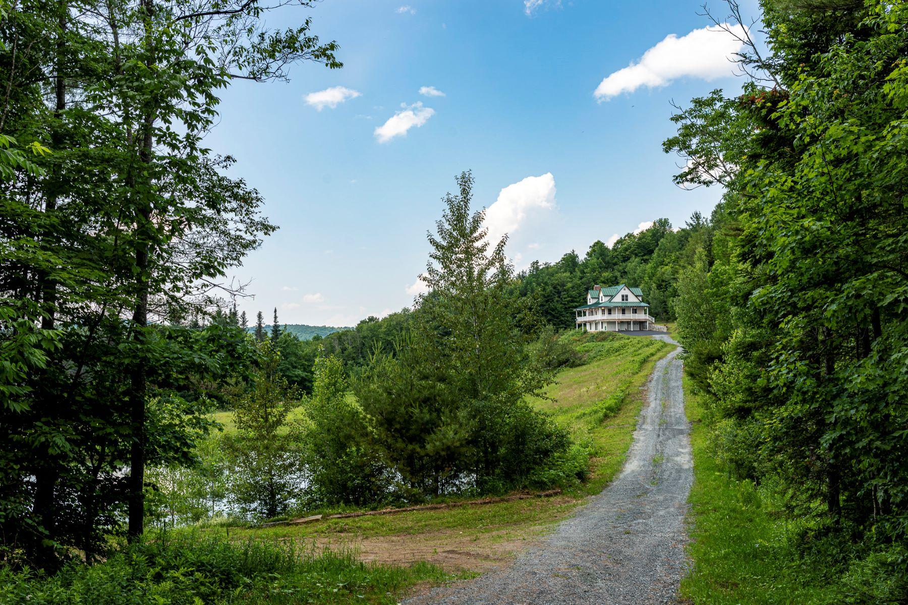 Single Family Homes for Sale at 119 Pennock Road, Strafford 119 Pennock Rd Strafford, Vermont 05072 United States