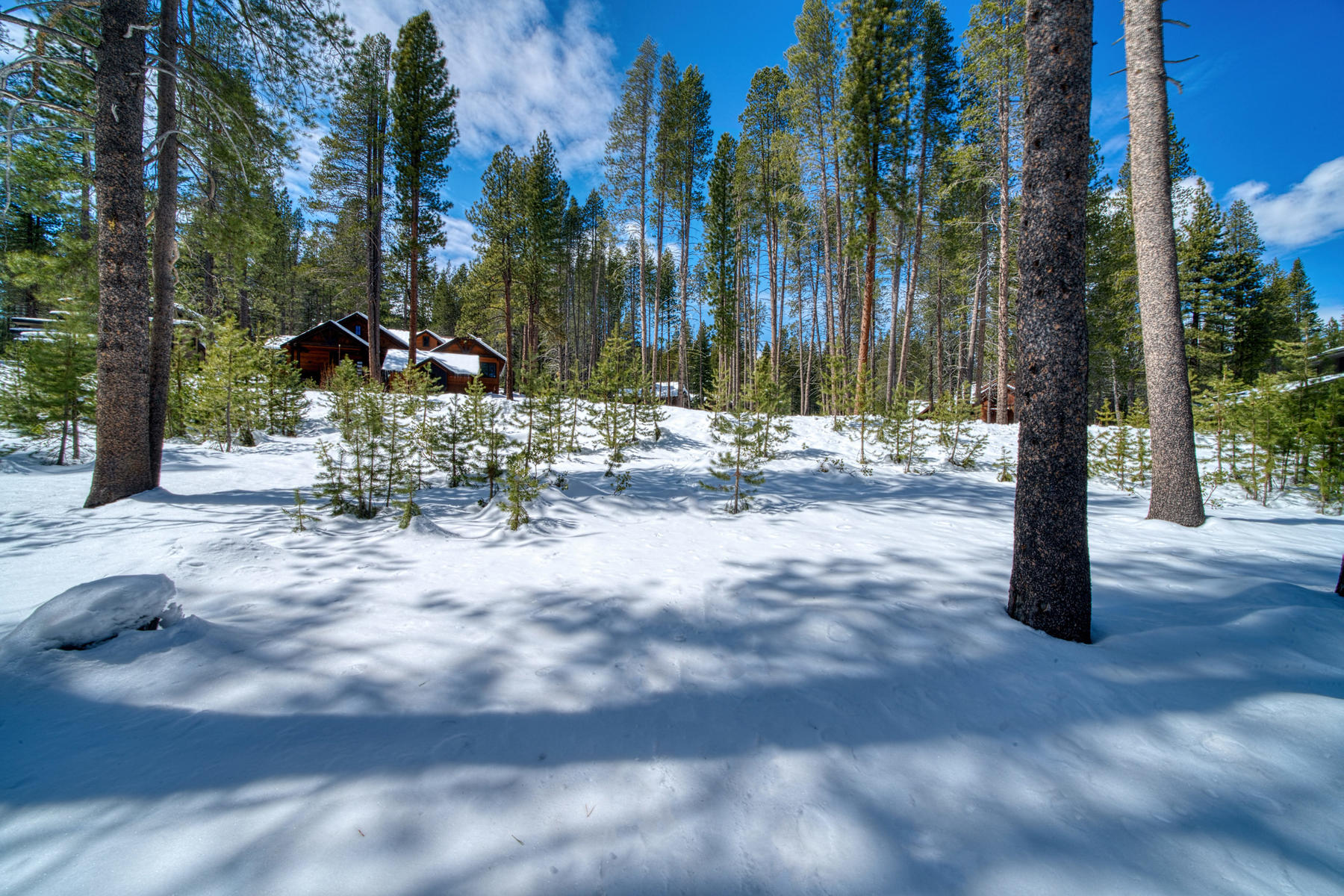 Land for Active at Beautiful Homesite with Plans 11731 Ghirard Road Truckee, California 96161 United States