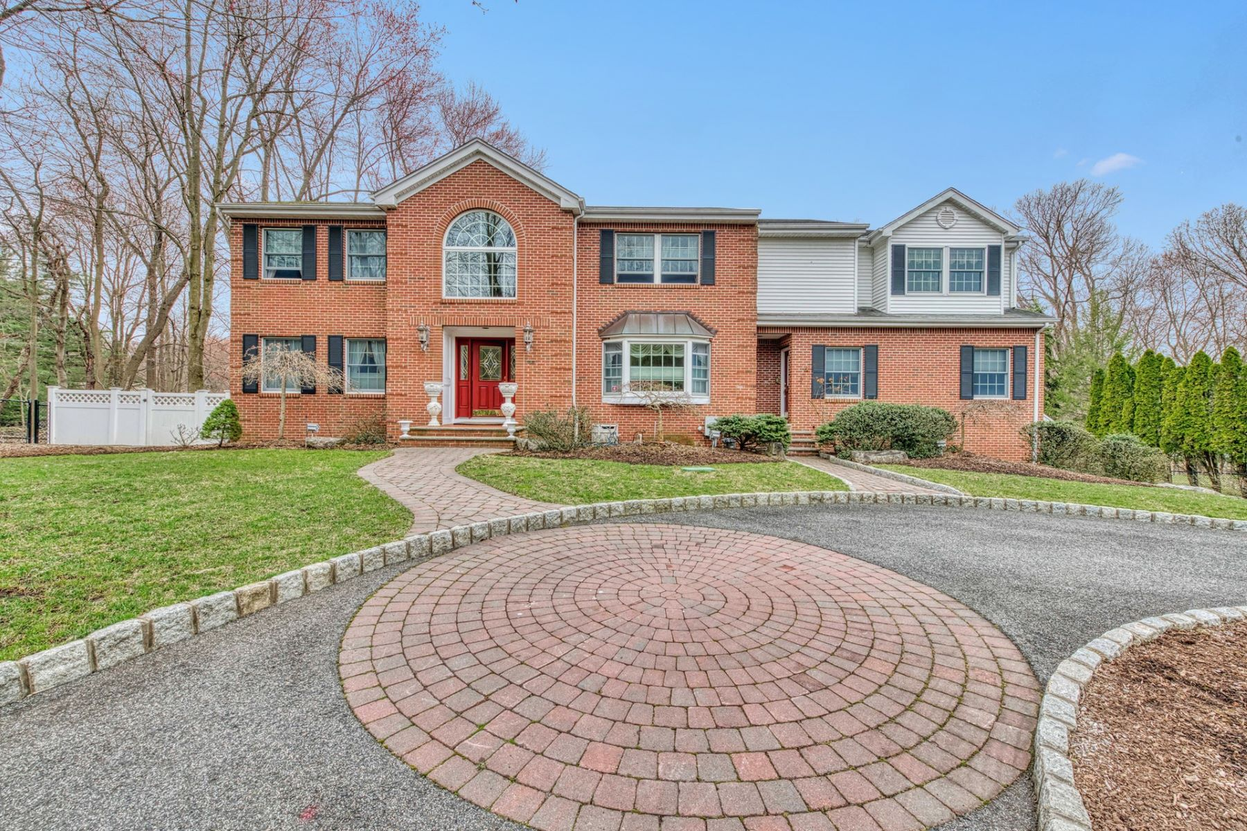 Maison unifamiliale pour l Vente à Location! Location! 6 Hampton Ridge Court, Old Tappan, New Jersey 07675 États-Unis