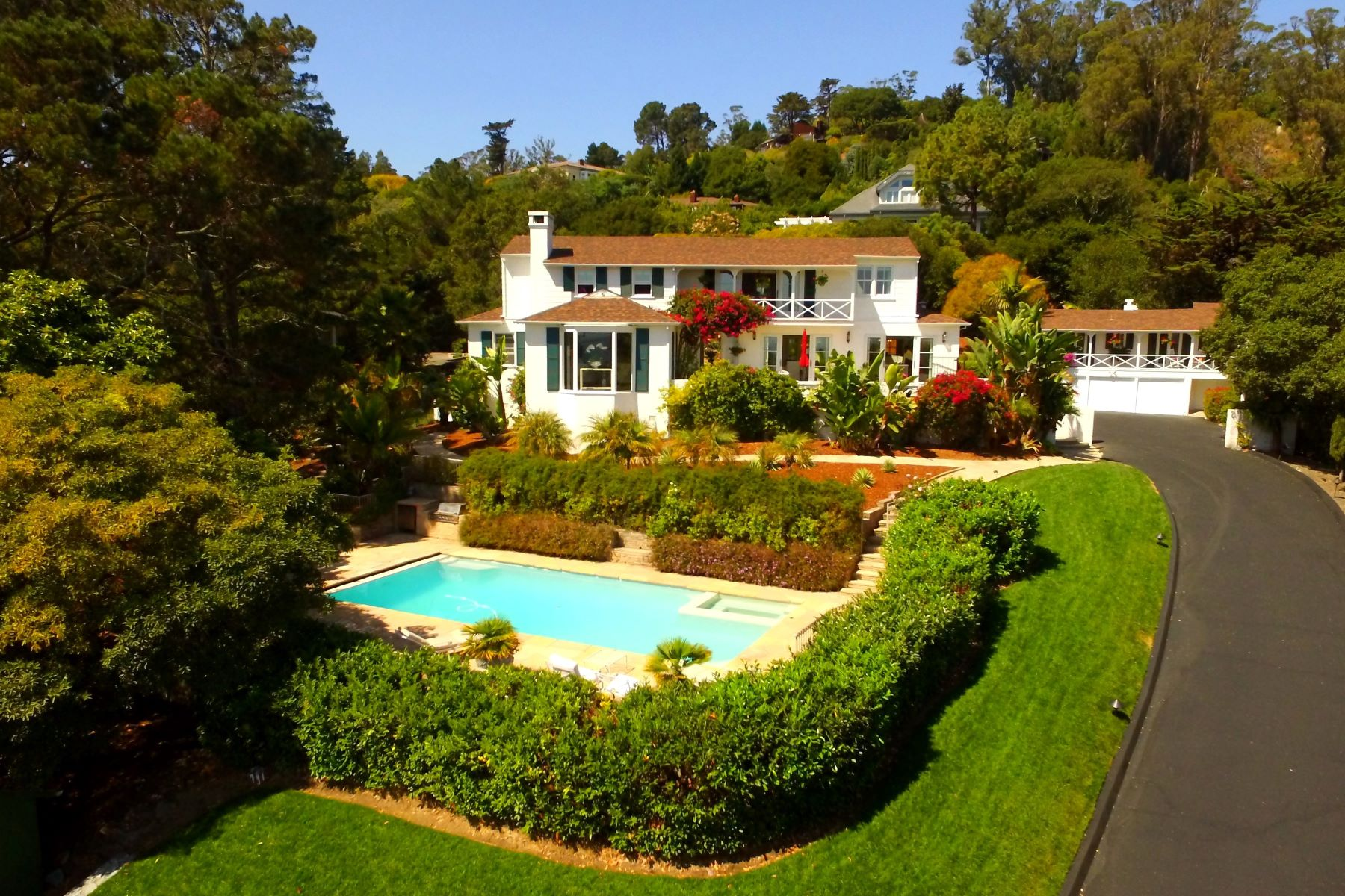 Single Family Home for Sale at Country Club - San Rafael 40 Fairway Drive San Rafael, California 94901 United States