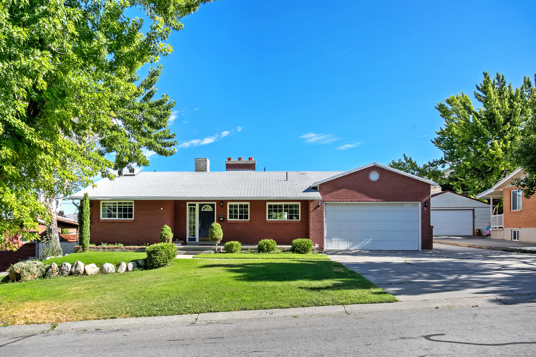 단독 가정 주택 용 매매 에 Millcreek Spacious Rambler 2871 East 3400 South Salt Lake City, 유타, 84109 미국