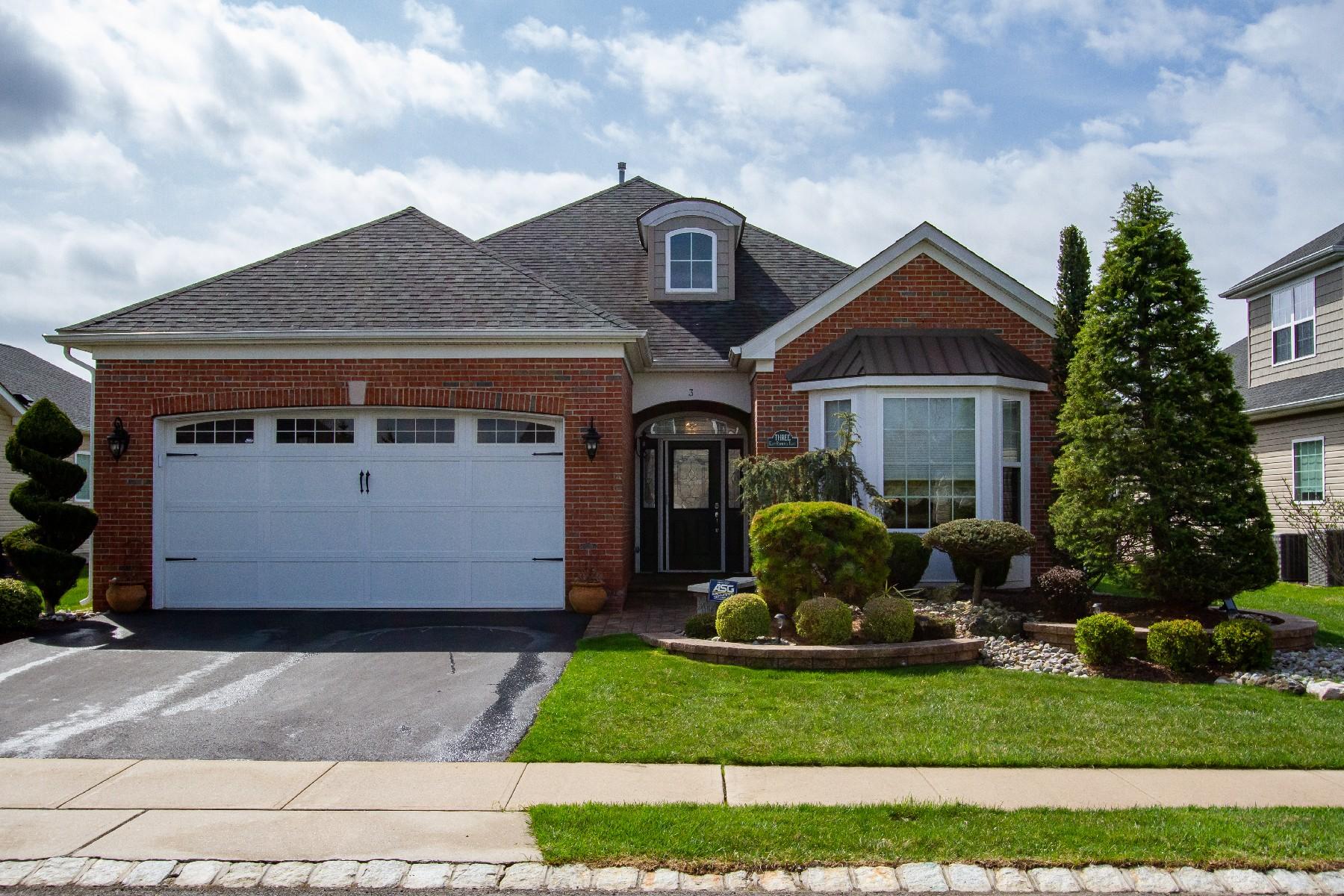 Single Family Homes por un Venta en Stunning Lassiter Model @ Equestra 3 E Raphael Ln Howell, Nueva Jersey 07727 Estados Unidos