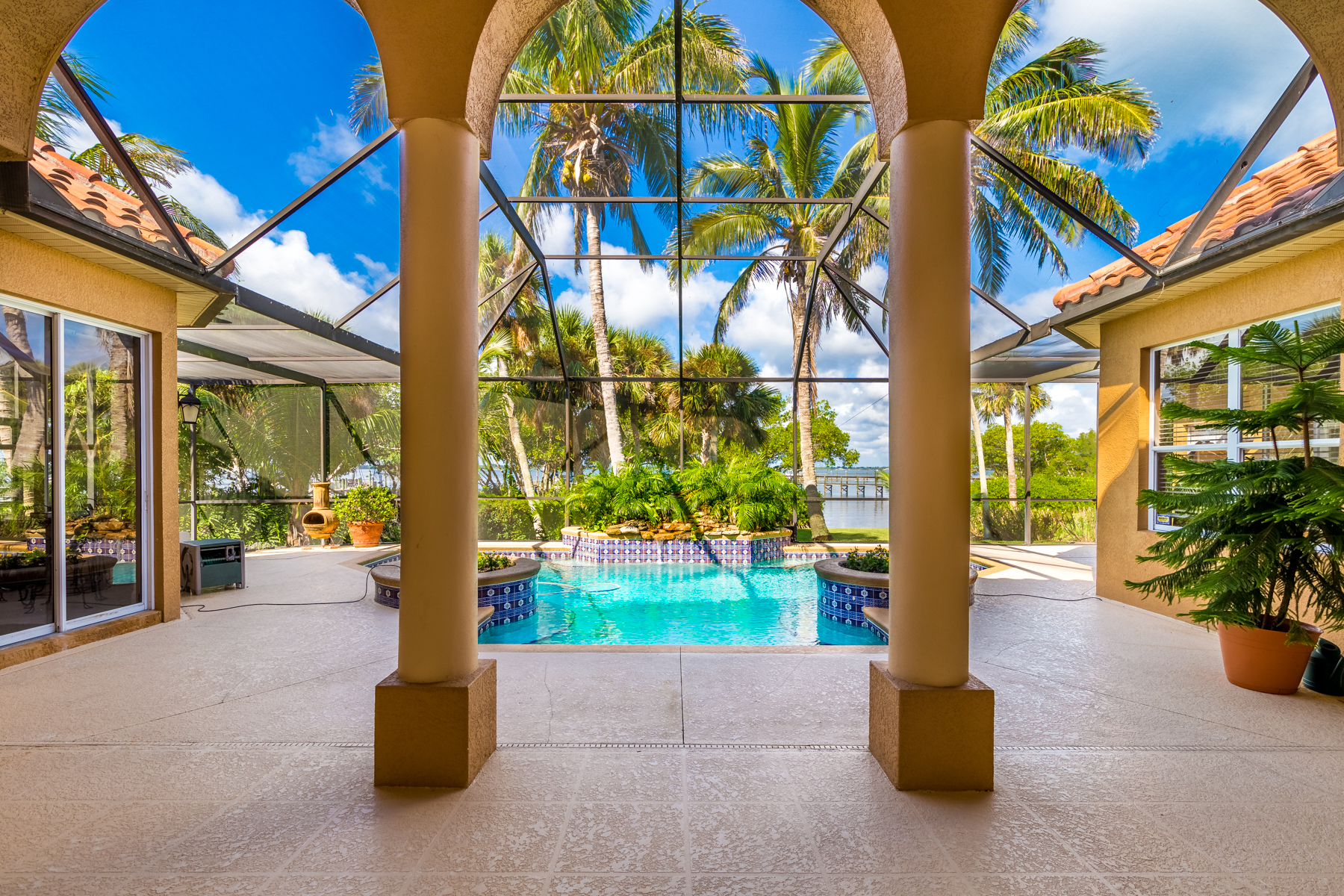 Additional photo for property listing at Beautiful Riverfront Home in Hidden Cove, Melbourne Beach 153 Hidden Cove Drive Melbourne Beach, Florida 32951 United States