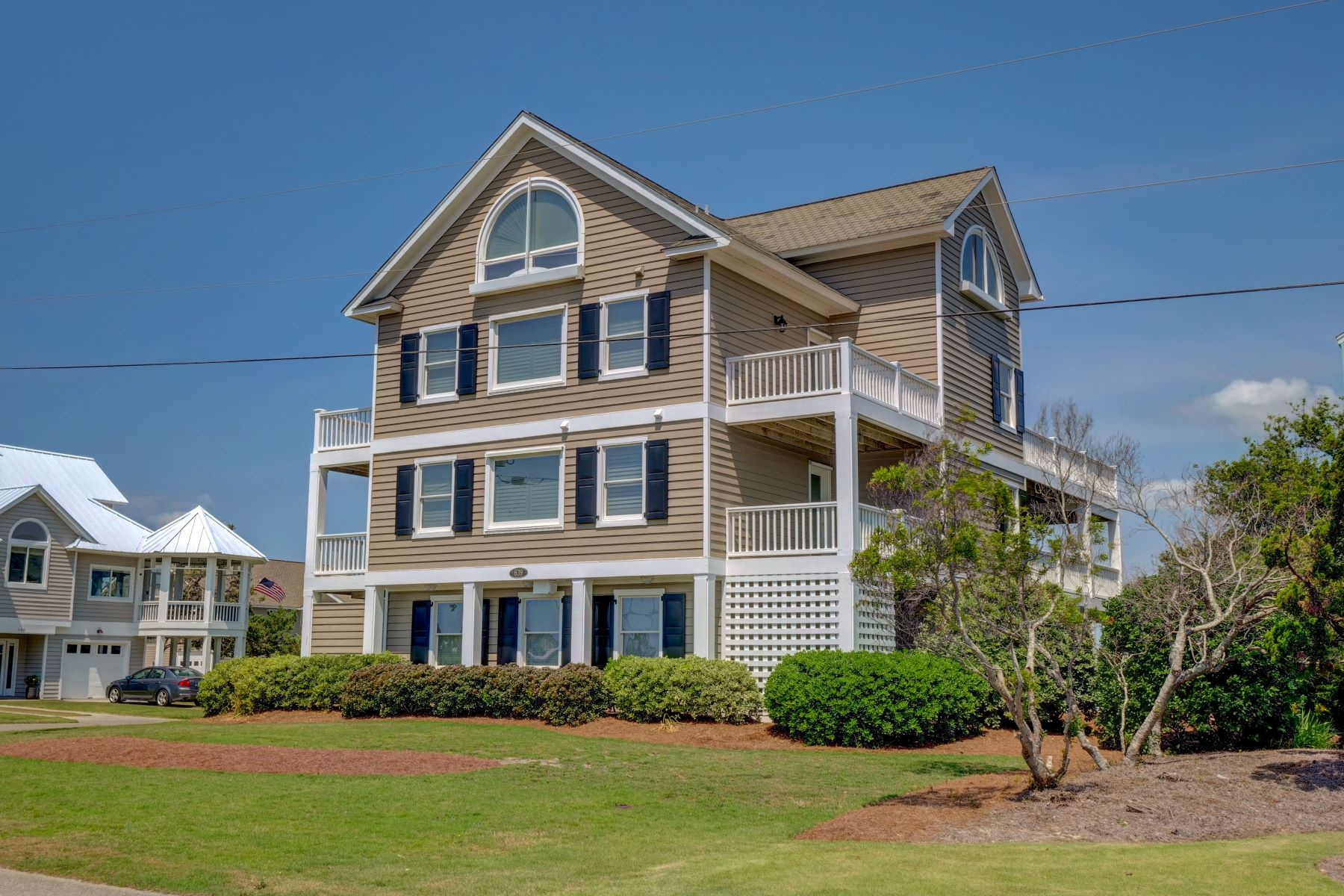 Single Family Homes for Sale at Elegant Island Home 639 Maritime Way Topsail Beach, North Carolina 28445 United States