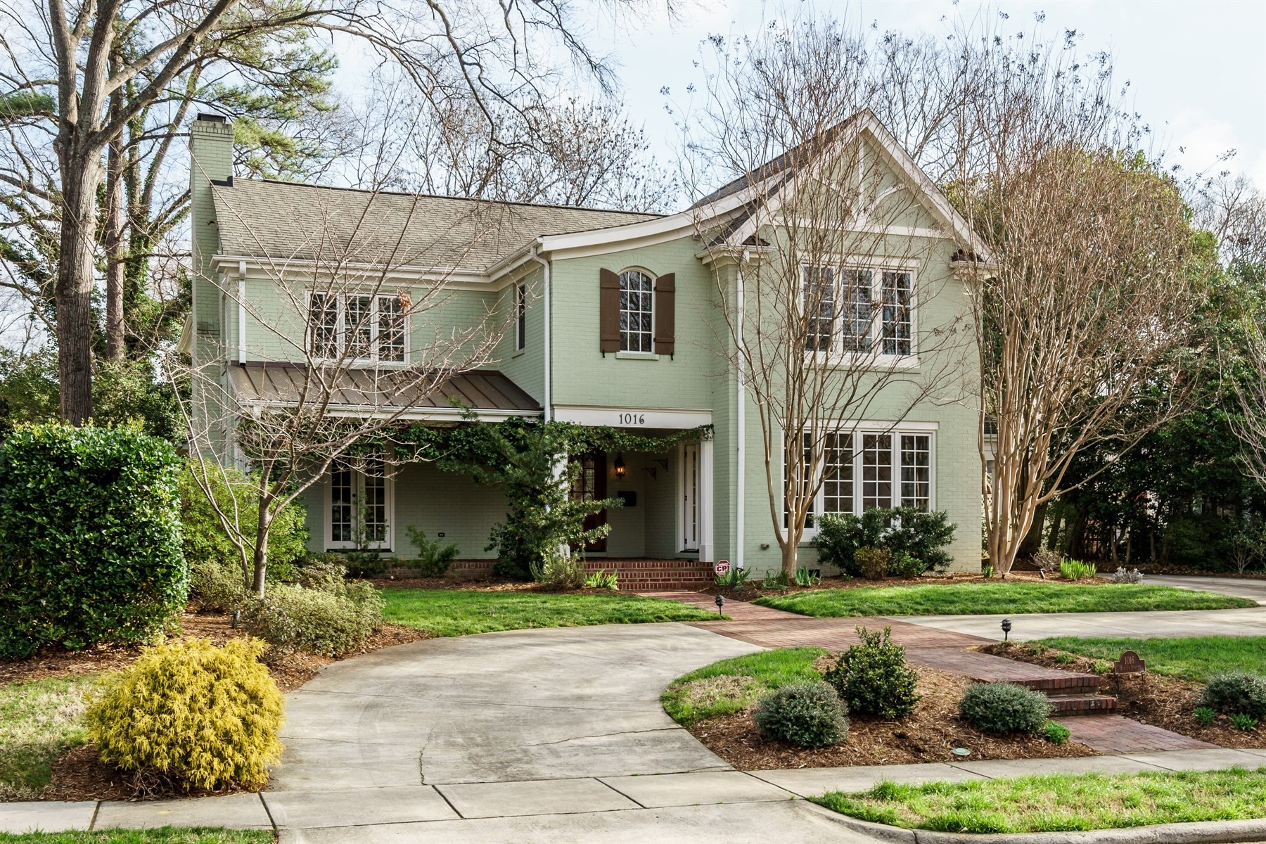 Single Family Home for Sale at 1016 Harvey Street 1016 Harvey Street Raleigh, North Carolina 27608 United States
