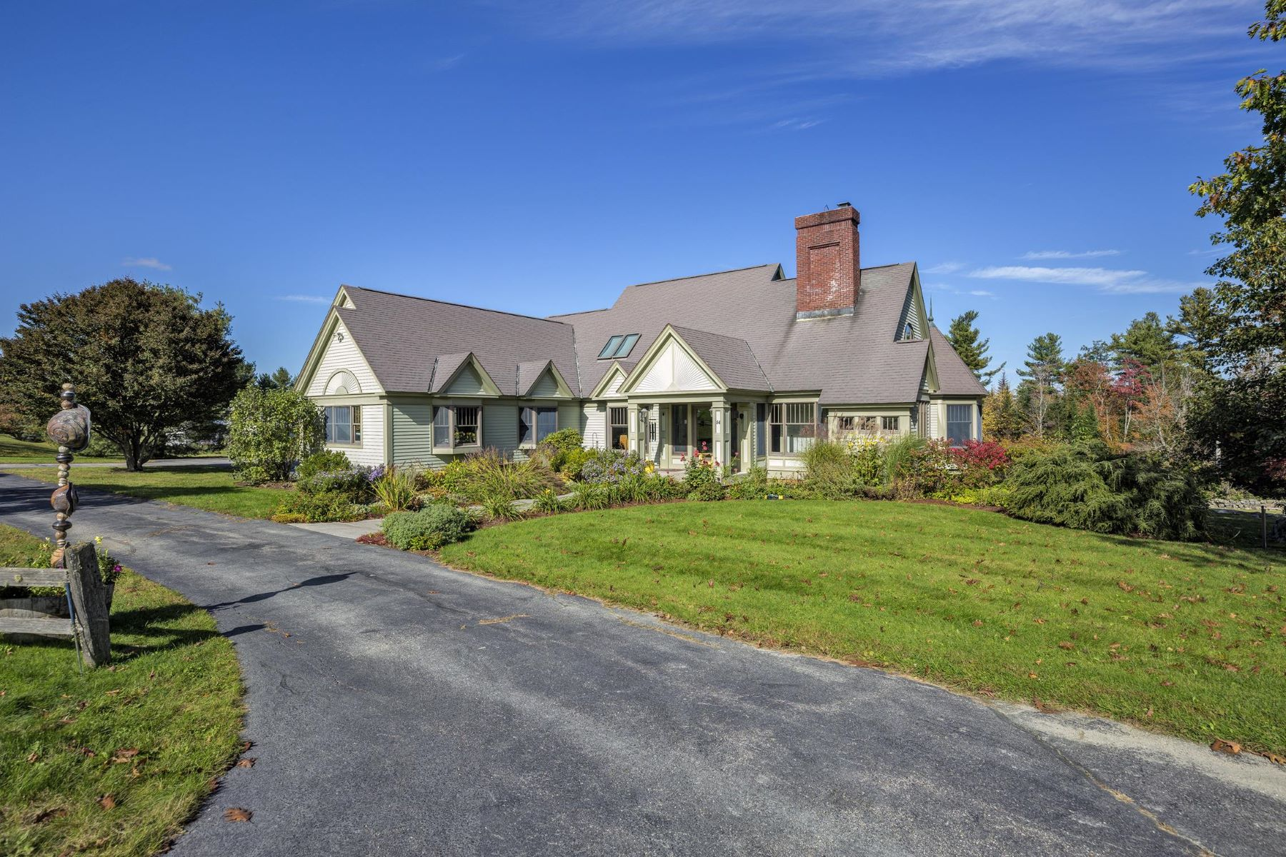 Single Family Homes for Active at Lovely Pond Setting 54 Todd Farm Ln New London, New Hampshire 03257 United States