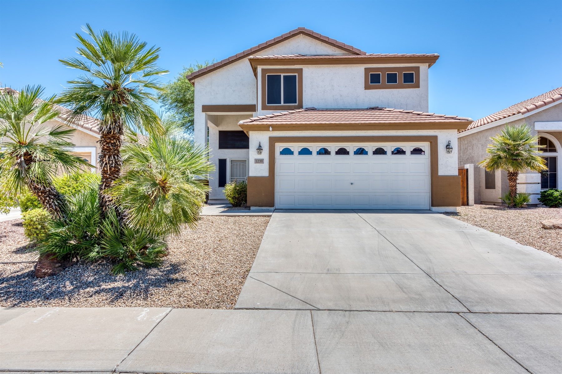 Single Family Homes for Sale at Lindsay Ranch 1239 S COLONIAL DR Gilbert, Arizona 85296 United States