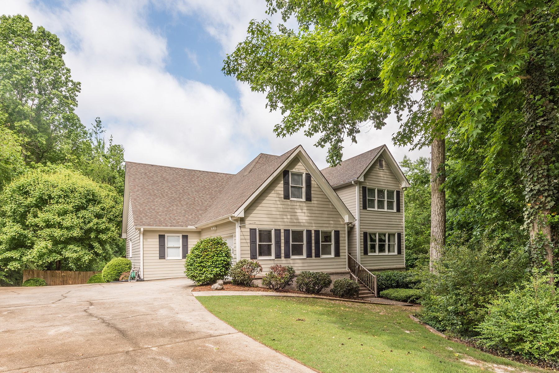 Single Family Home for Sale at Beautiful Custom Built Home in Coveted Stewart Manor 3605 Briscoe Dr Monroe, Georgia 30655 United States
