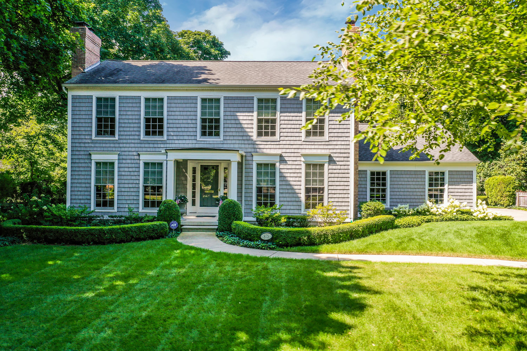 Single Family Homes 为 销售 在 Grosse Pointe Park 875 Ellair PL Grosse Pointe Park, 密歇根州 48230 美国