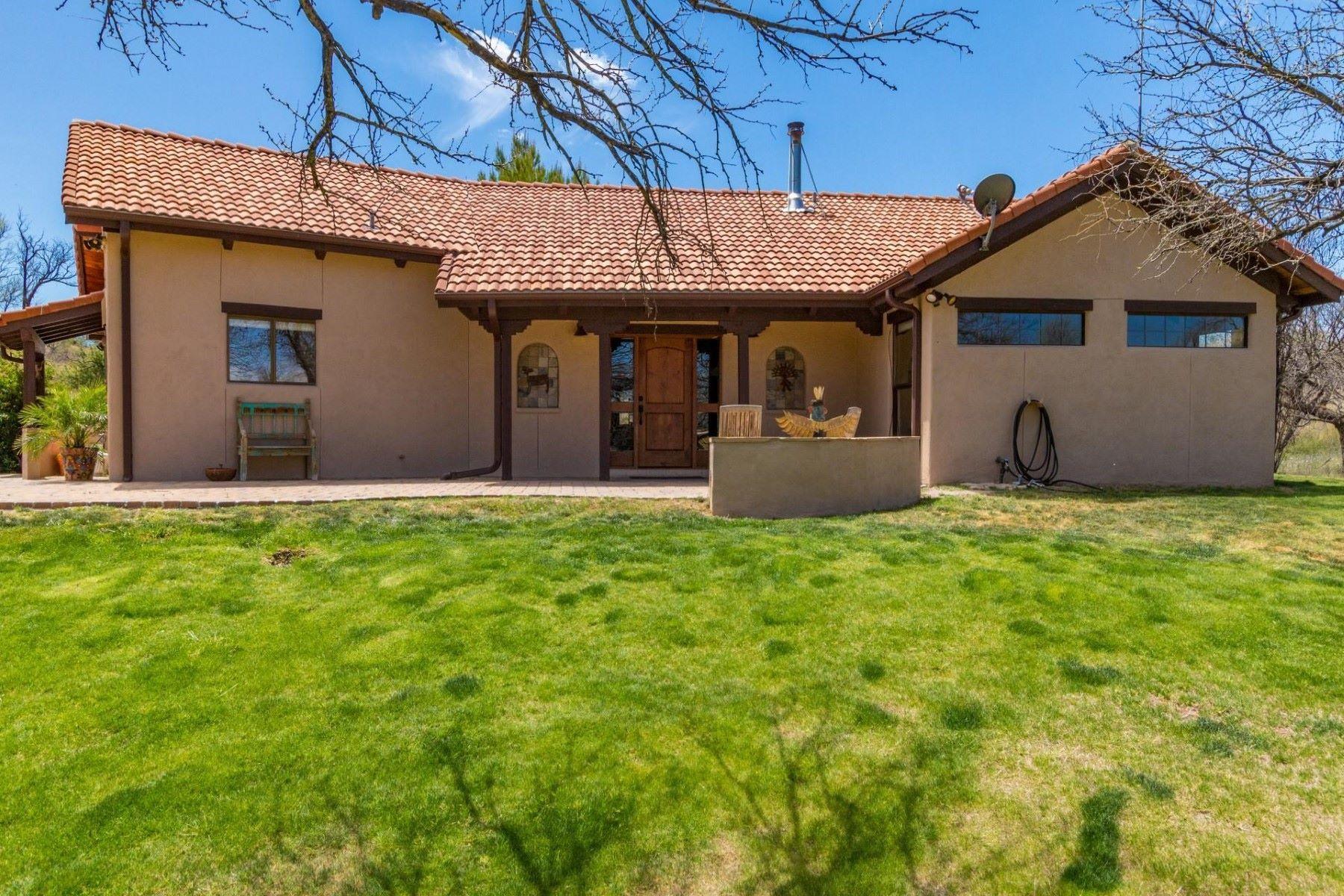 Single Family Homes por un Venta en Dream Horse Property 38000 Wedgeford S Arivaca, Arizona 85601 Estados Unidos