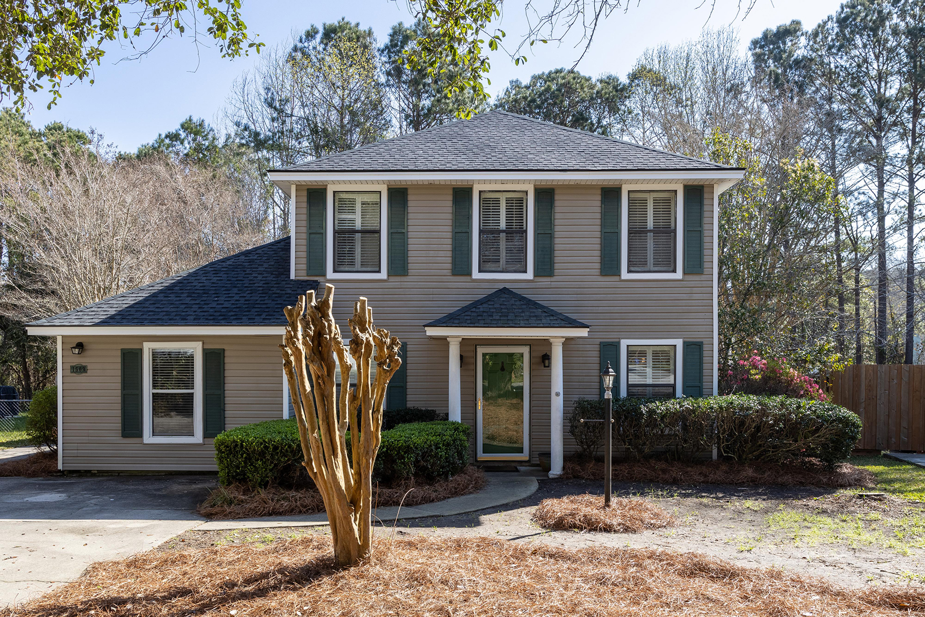 Single Family Homes for Sale at 1509 E Crossing Lane Mount Pleasant, South Carolina 29466 United States