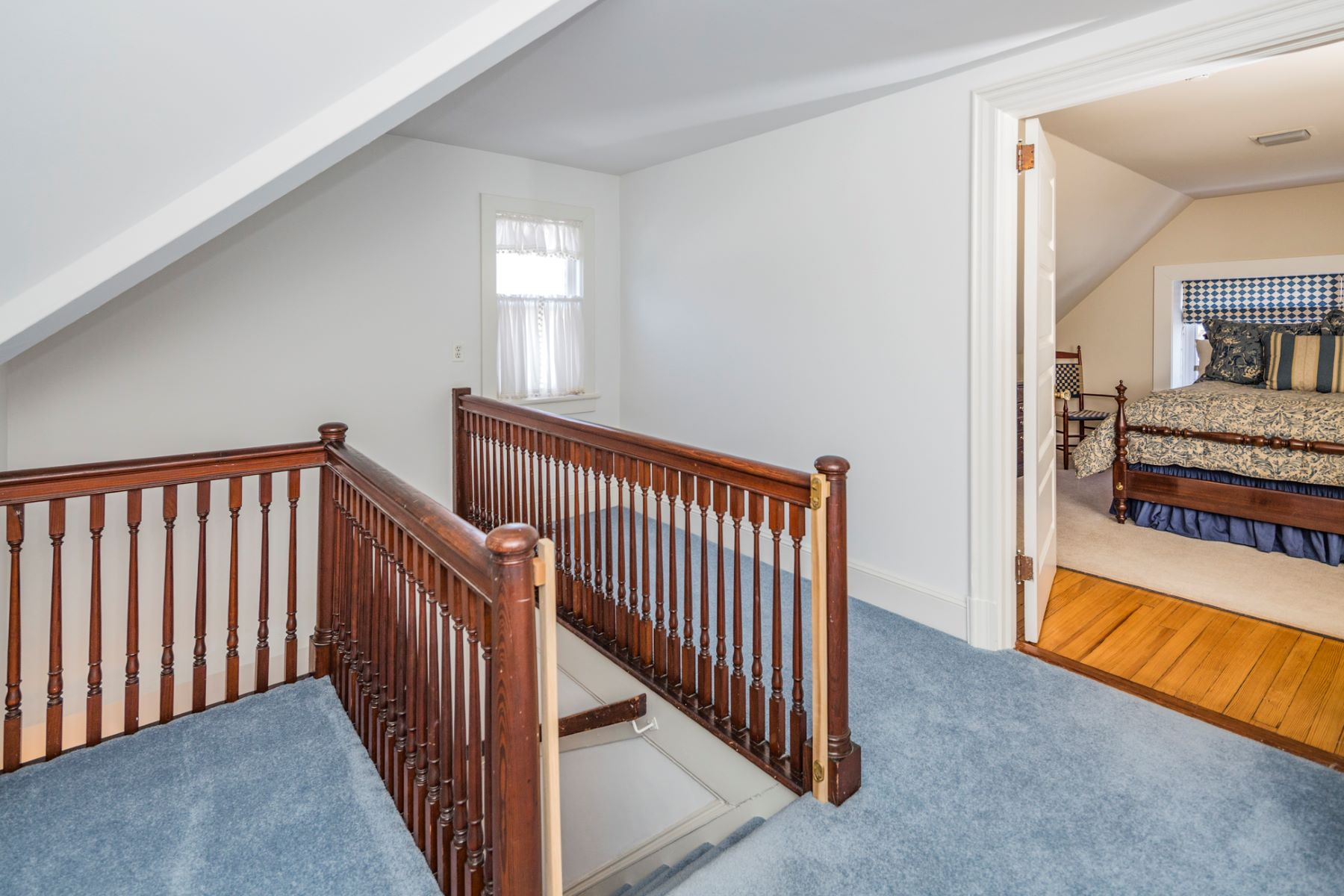 Additional photo for property listing at Magnificent Western Section Home Honors the Past 94 Library Place Princeton, New Jersey 08540 United States