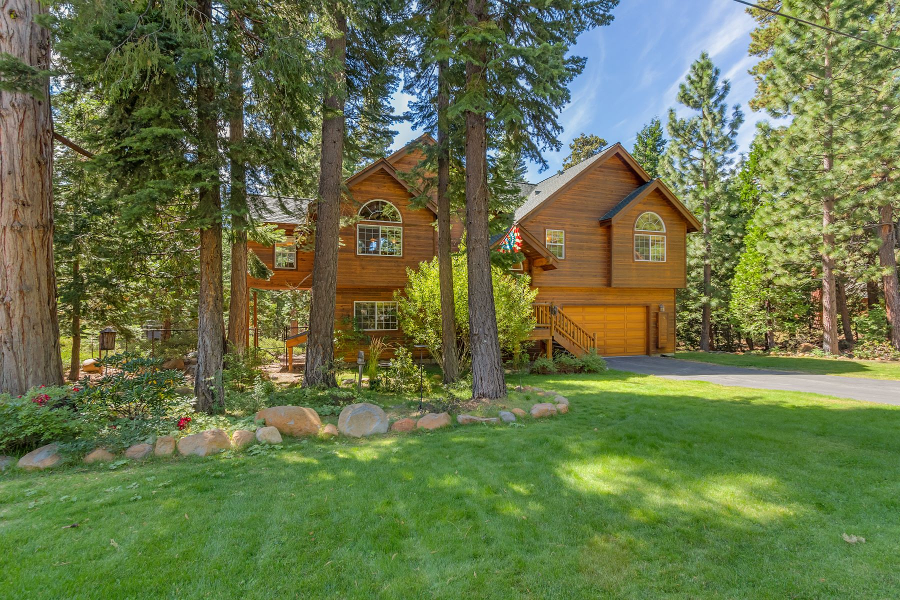 Single Family Home for Active at 6472 Donner Road, Tahoe Vista, CA 96148 6472 Donner Road Tahoe Vista, California 96148 United States