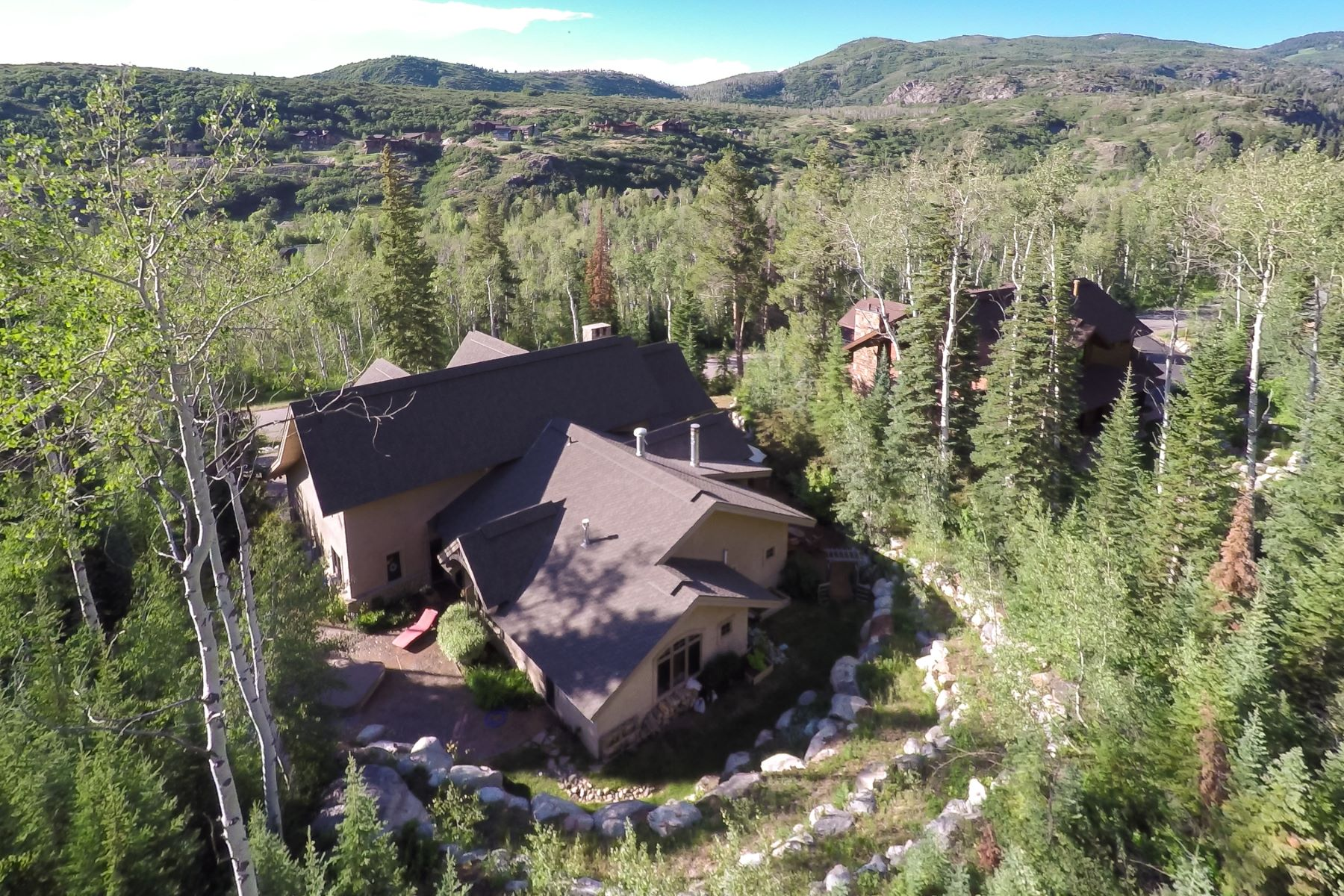 Additional photo for property listing at Private Sanctuary Retreat 3053 Aspen Wood Drive Steamboat Springs, Colorado 80477 United States