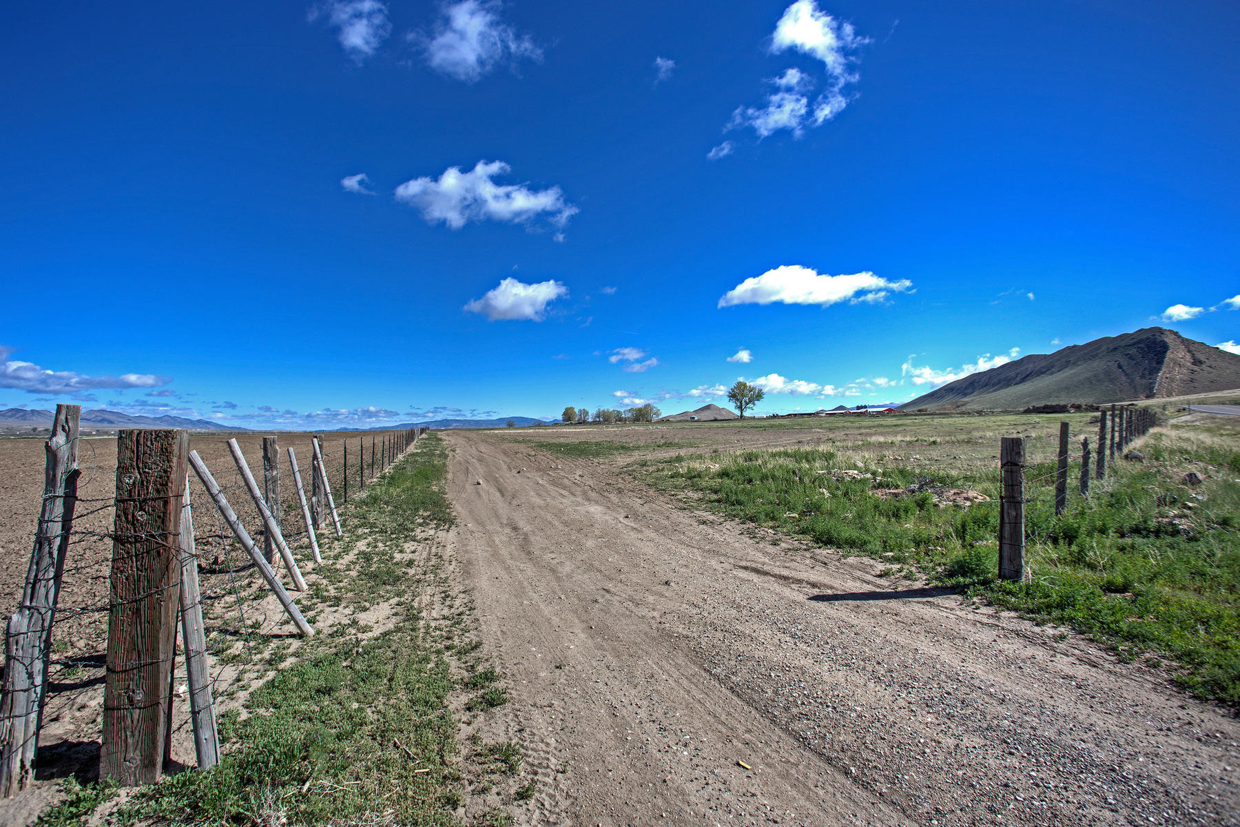 Additional photo for property listing at Put Your Brand on a Hunk of Land! Beautiful 158 Acre Ranch or Hayfarm in Salina No Situs Address Salina, Utah 84654 États-Unis