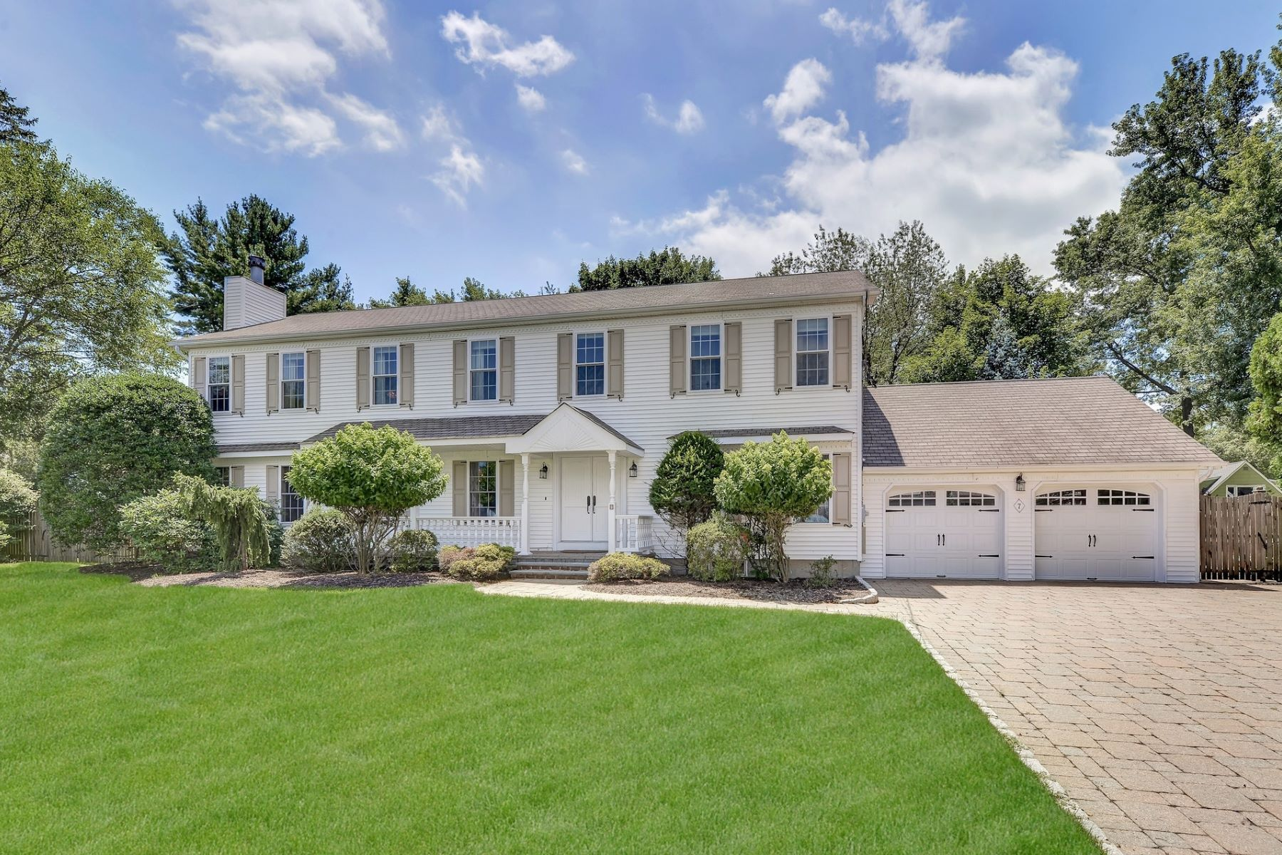 Single Family Homes for Sale at 7 Glen Place Old Tappan, New Jersey 07675 United States
