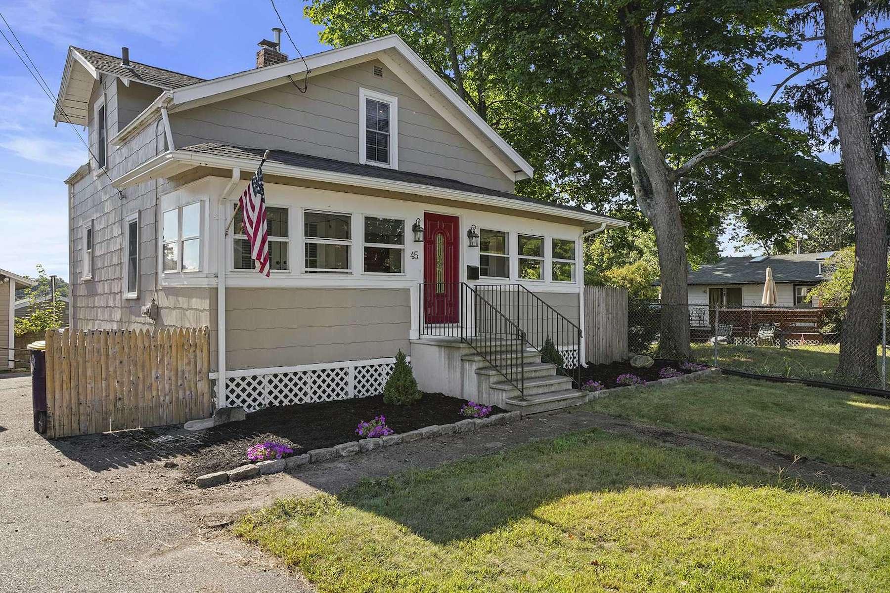 Single Family Homes por un Venta en 45 Intervale Road 45 Intervale Rd Weymouth, Massachusetts 02189 Estados Unidos