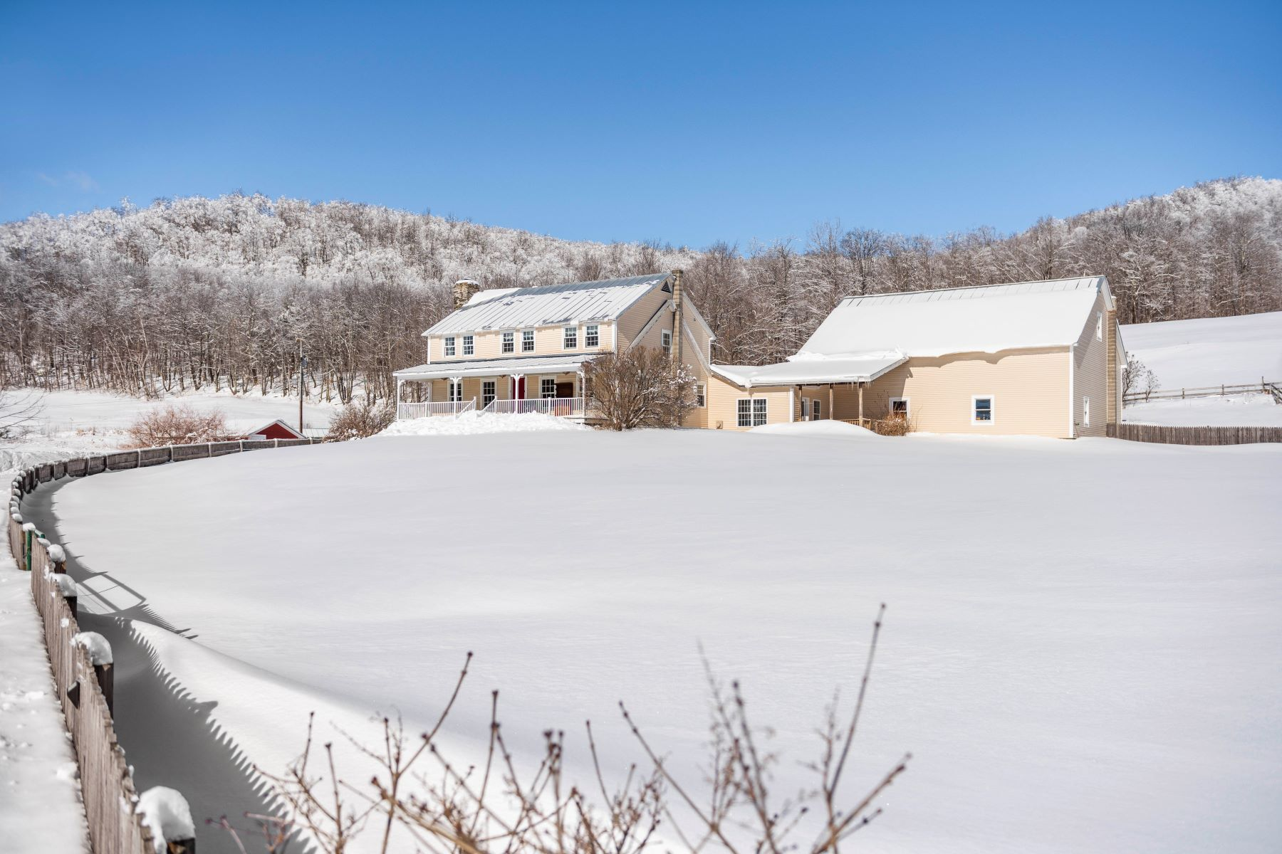 Single Family Homes for Sale at 123 Brocklebank Road, Tunbridge 123 Brocklebank Rd Tunbridge, Vermont 05077 United States