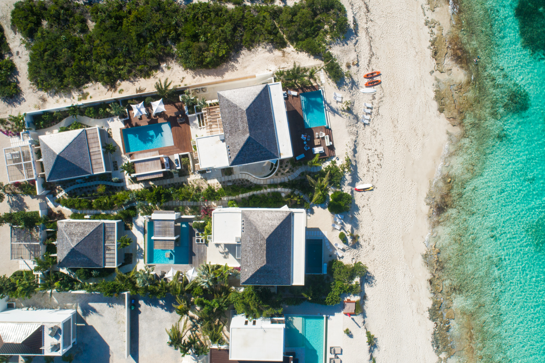 Additional photo for property listing at The Dunes Villa 1 ~ Managed by Grace Bay Resorts North Shore Beachfront Turtle Cove, Провиденсьялес TC Теркс И Кайкос