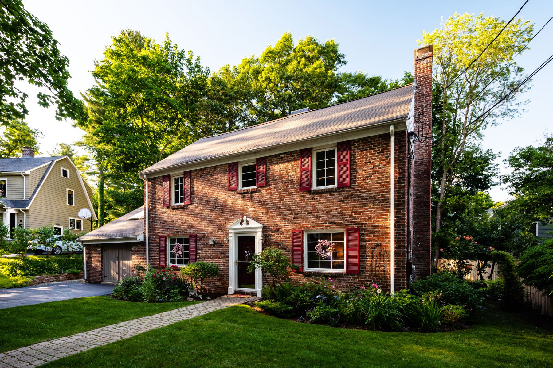Single Family Homes για την Πώληση στο Newton, Μασαχουσετη 02468 Ηνωμένες Πολιτείες