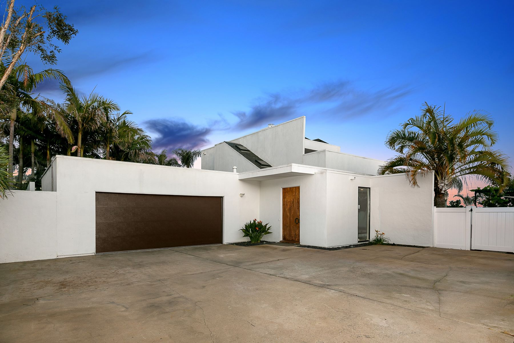 Single Family Homes for Active at 2433 Unicornio Carlsbad, California 92009 United States
