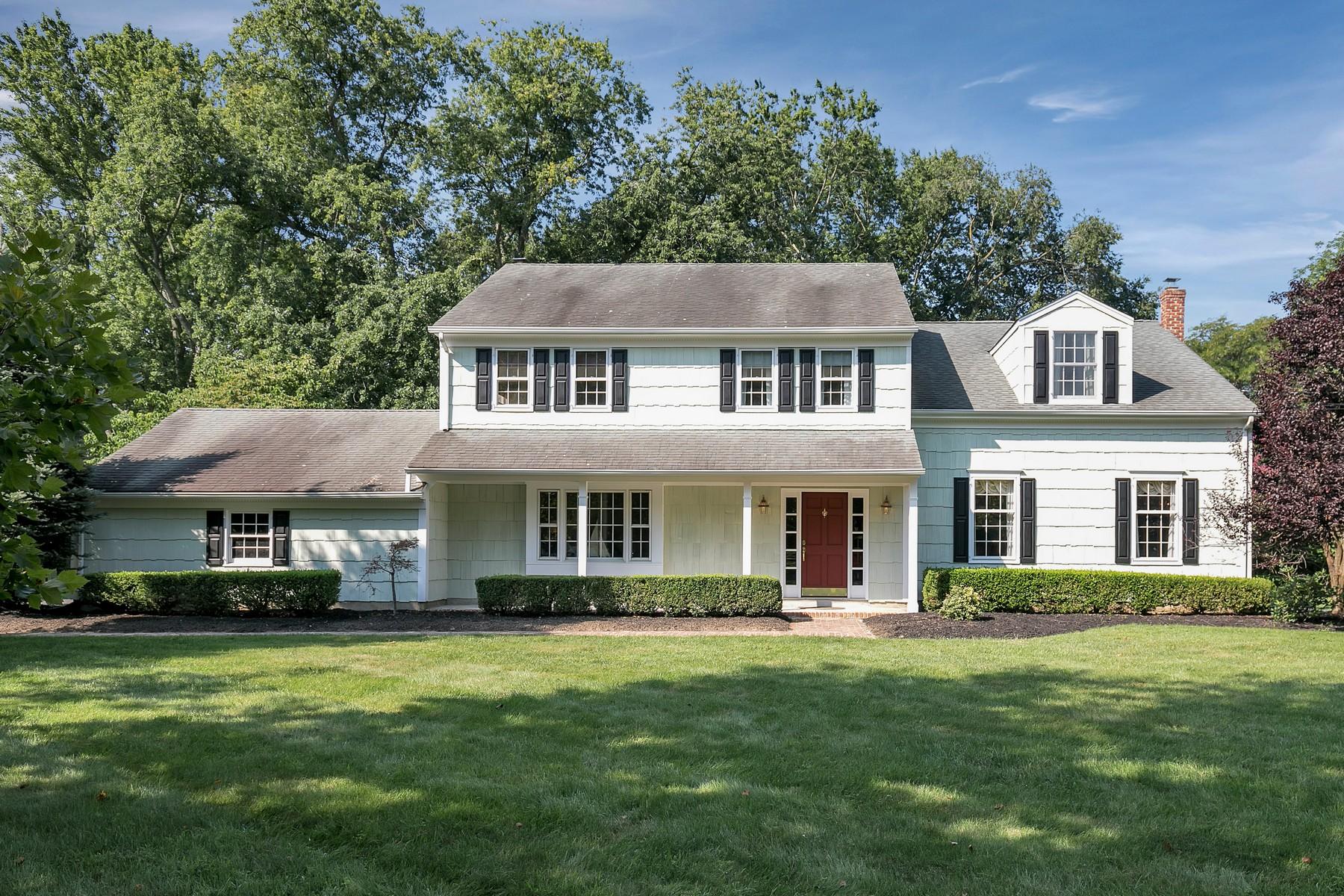 Maison unifamiliale pour l Vente à Colts Neck Beauty 3 Sycamore Place Colts Neck, New Jersey, 07722 États-Unis