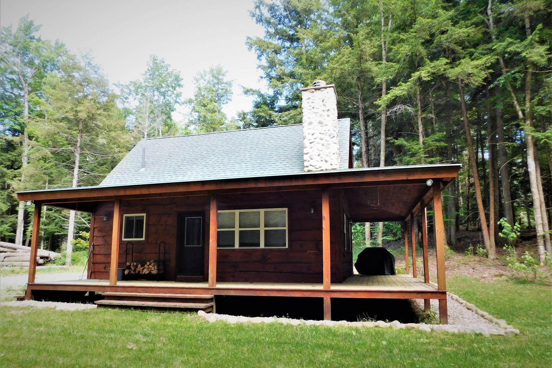 Maison unifamiliale pour l Vente à Camp Rio Vista - A rare find on the Independence River 6273 Oxbow Ln Glenfield, New York 13345 États-Unis