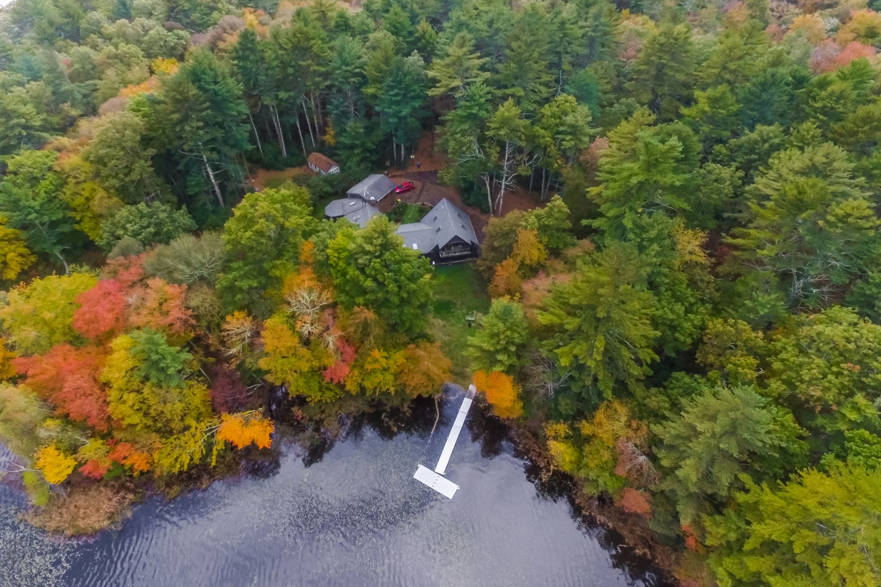 Single Family Homes للـ Sale في Eleven+ Acres on Yawgoo Pond 289 B Yawgoo Pond Road, South Kingstown, Rhode Island 02892 United States