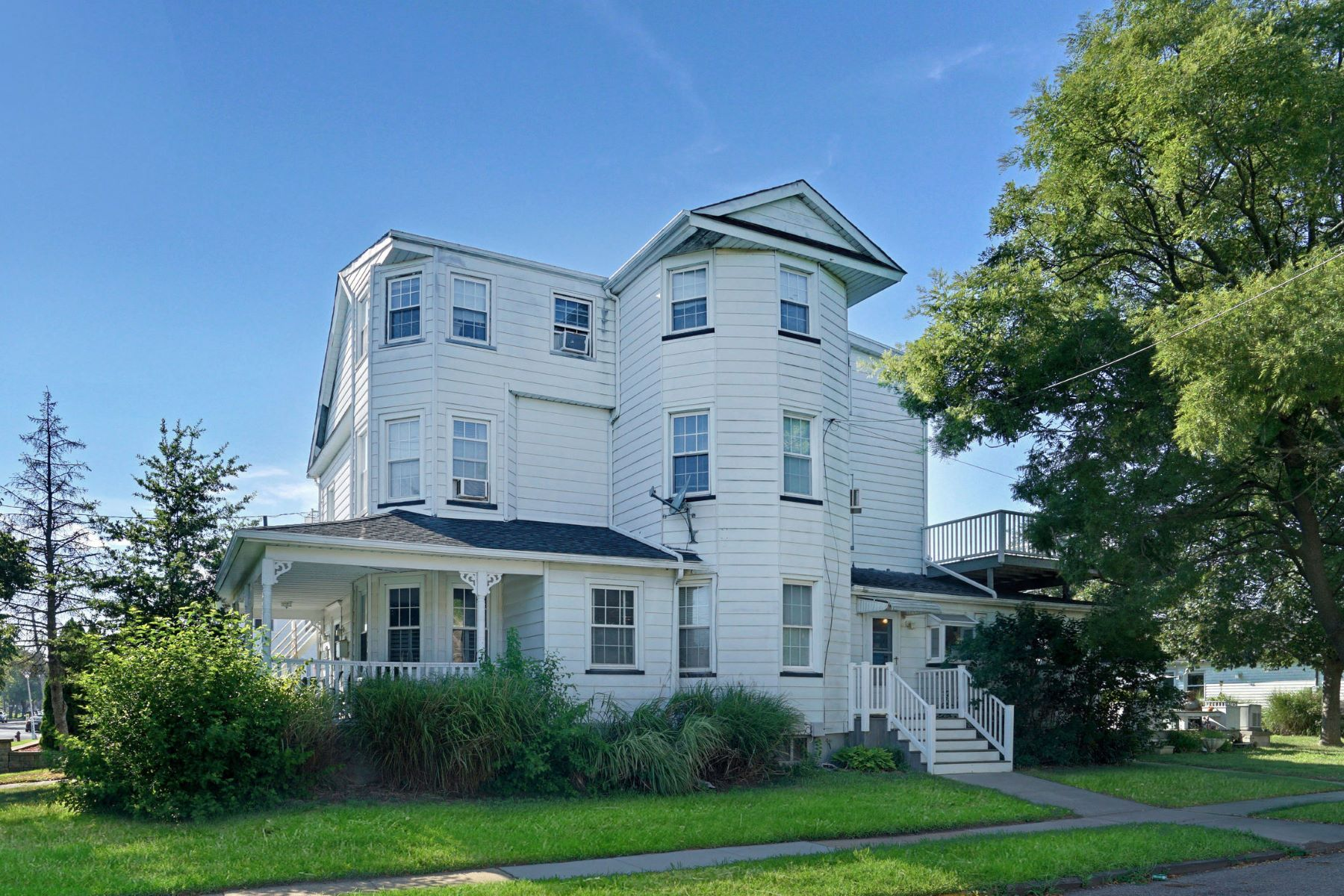 Single Family Homes for Active at Spacious Victorian 300 8th Avenue Belmar, New Jersey 07719 United States
