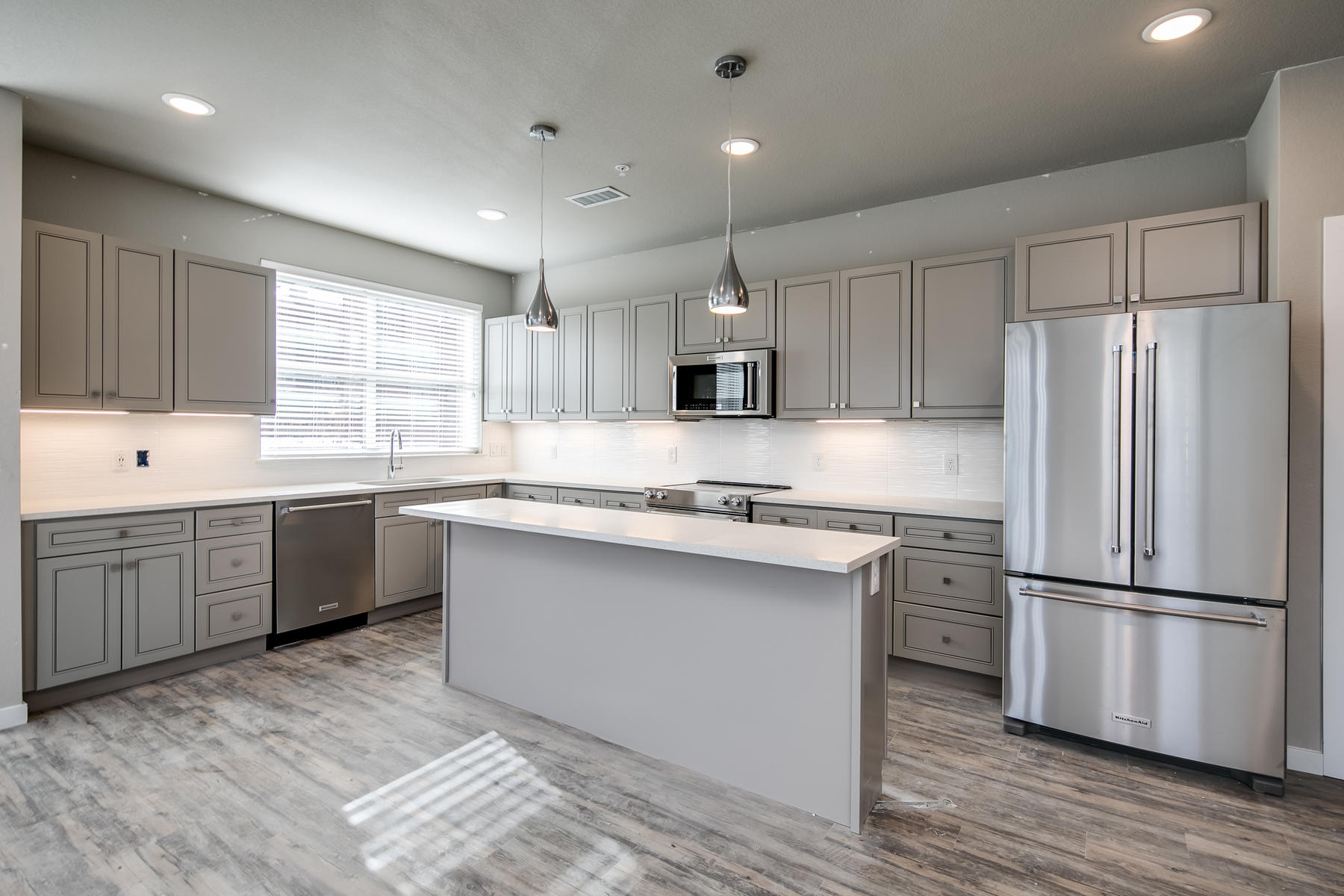 Additional photo for property listing at 155 South Monaco Parkway #209 155 S Monaco Pkwy #209 Denver, Colorado 80224 United States