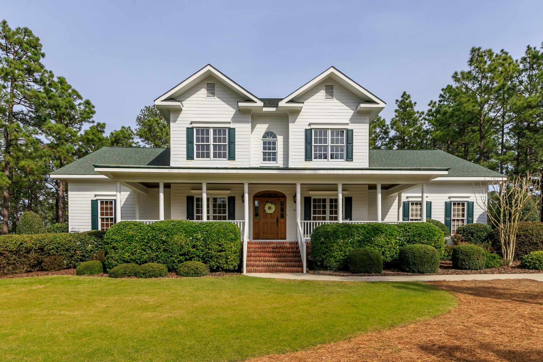 Single Family Homes for Active at 14 Middlebury Rd. 14 Middlebury Rd Pinehurst, North Carolina 28374 United States