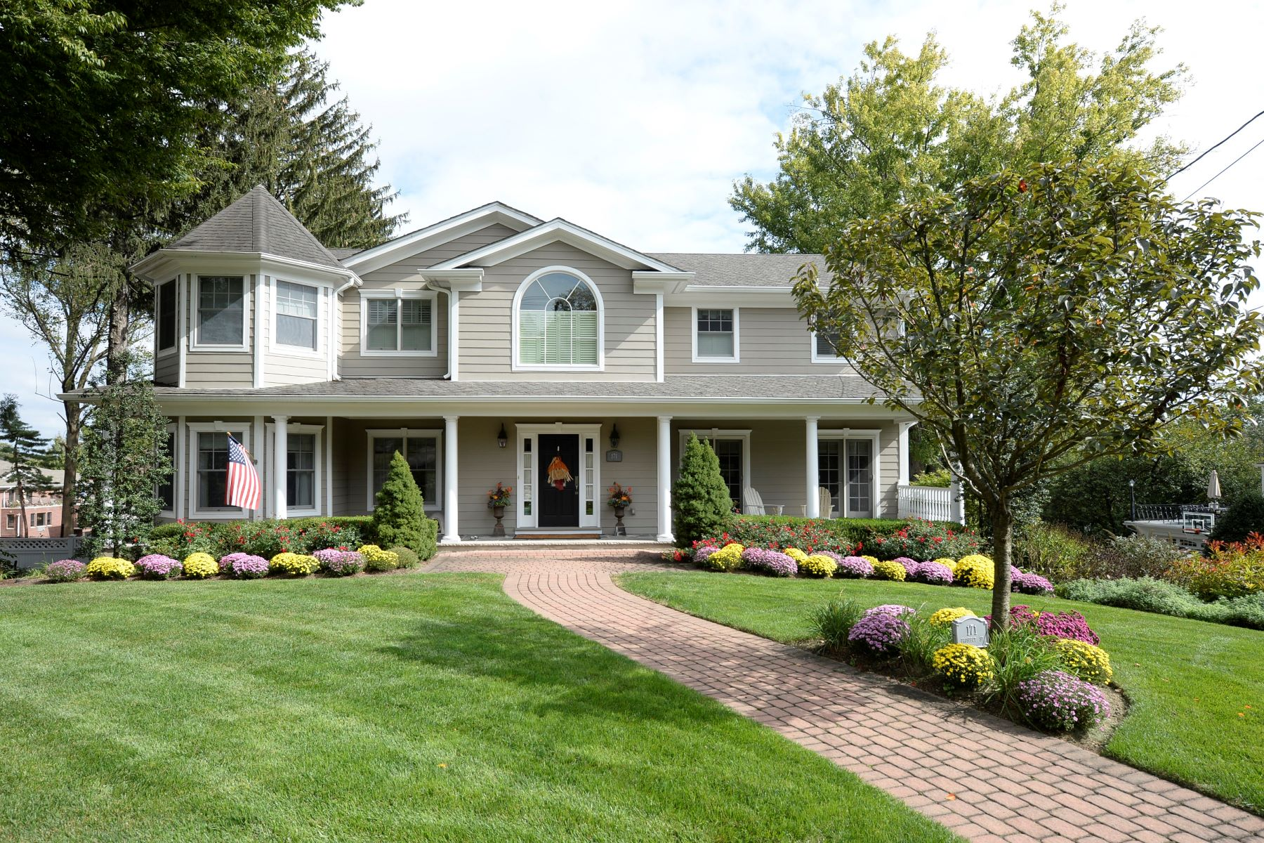 Single Family Home for Sale at Sophisticated CenterHall Colonial Over 5,000 Square Feet. 171 Prospect Street, Ridgewood, New Jersey 07450 United States