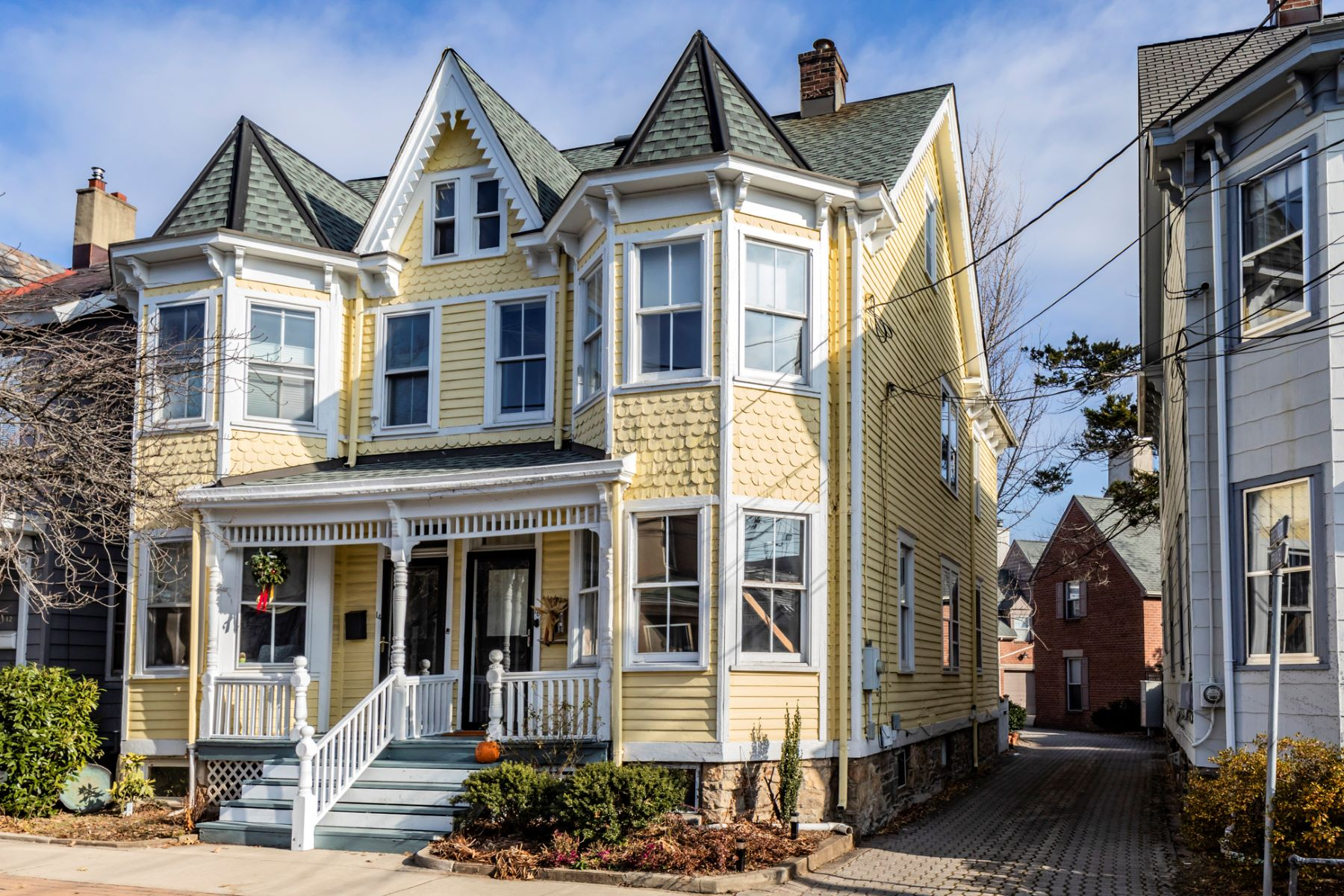Single Family Home for Sale at Princeton Victorian Gem 16 Charlton Street, Princeton, New Jersey 08540 United States