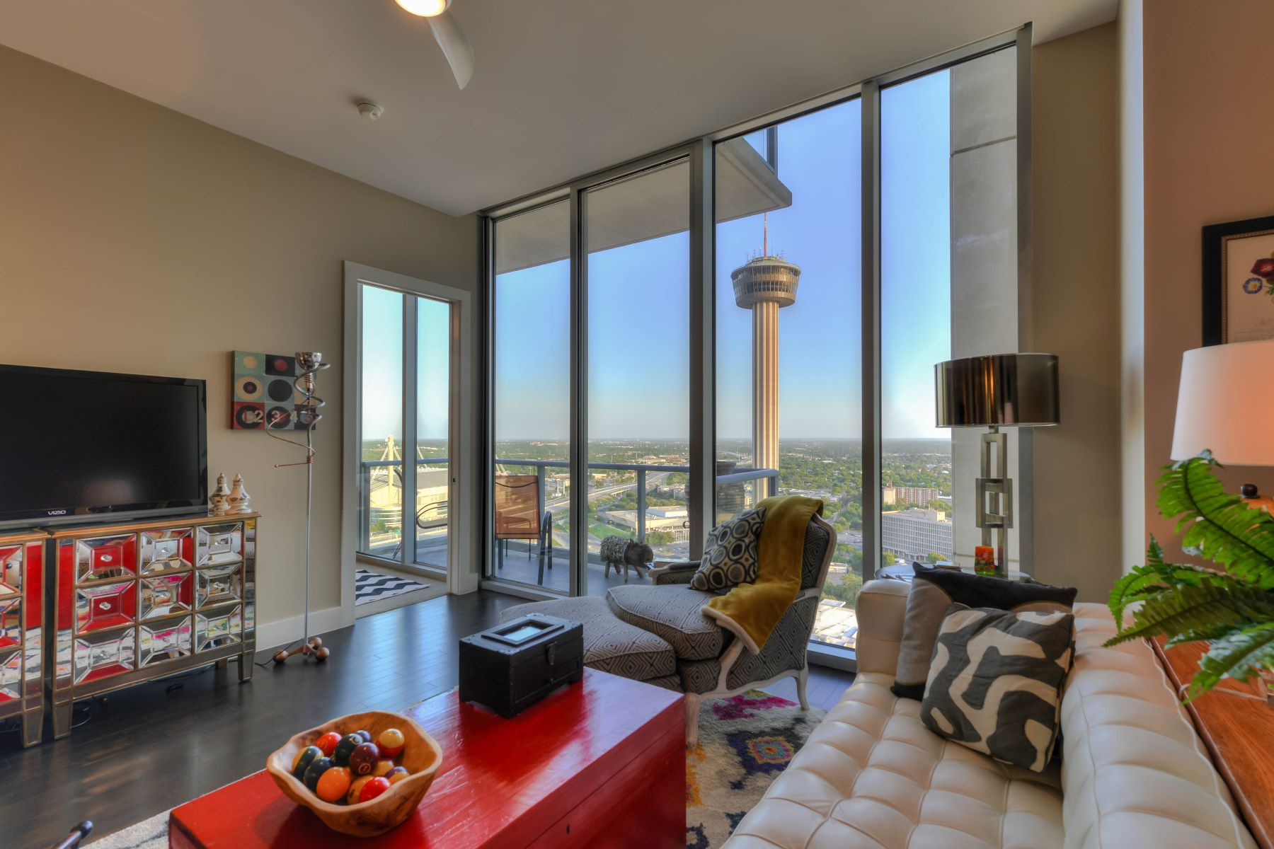 Condominio por un Alquiler en Luxury Downtown Living At Alteza 610 E Market St 2809 San Antonio, Texas 78205 Estados Unidos