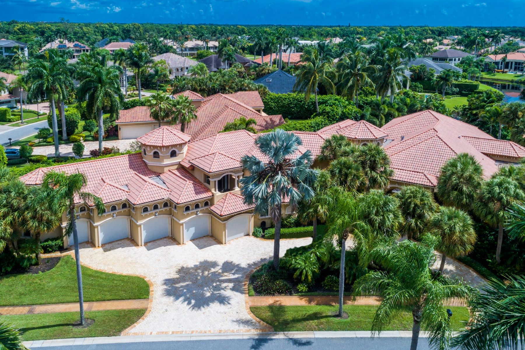 Single Family Home for Active at 6915 Queenferry Cir , Boca Raton, FL 33496 6915 Queenferry Cir Boca Raton, Florida 33496 United States
