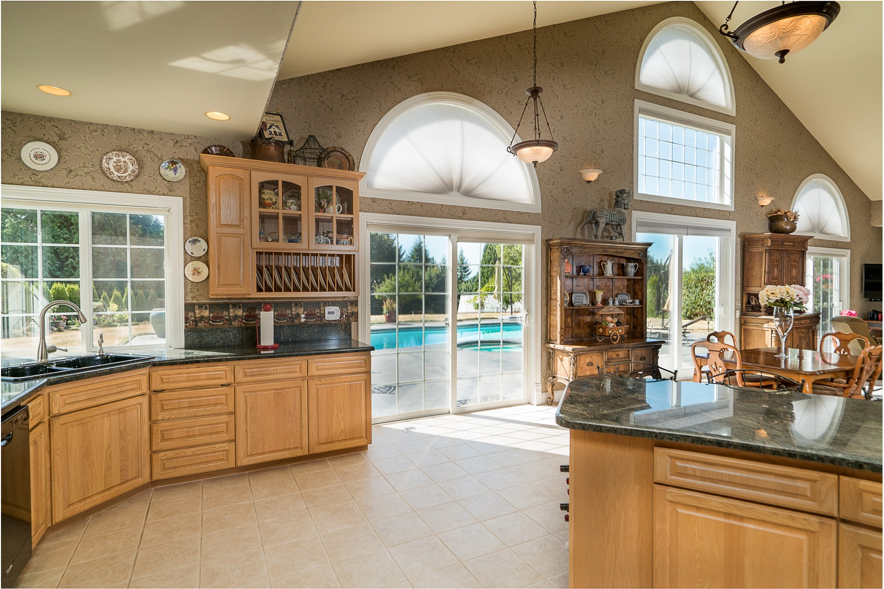 Additional photo for property listing at Wellington NW Contemporary 23110 75th Ave SE Woodinville, Washington 98072 États-Unis