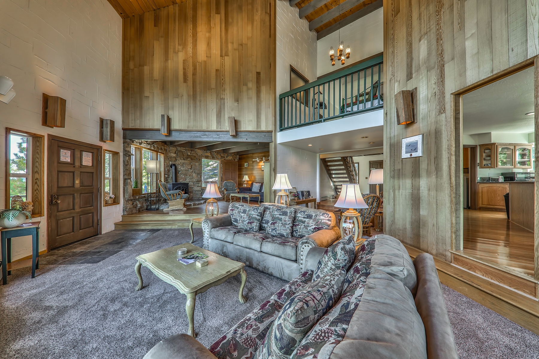 Additional photo for property listing at 1720 Keller Road, South Lake Tahoe, CA 96150 1720 Keller Road 南太浩湖, 加利福尼亚州 96150 美国