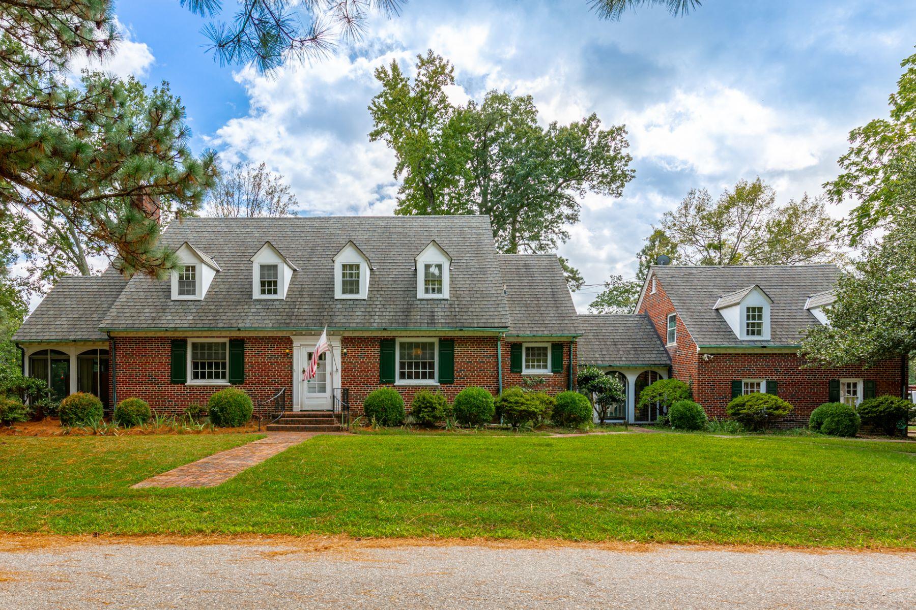 Single Family Homes por un Venta en CHURCHLAND 5401 Vine St Portsmouth, Virginia 23703 Estados Unidos