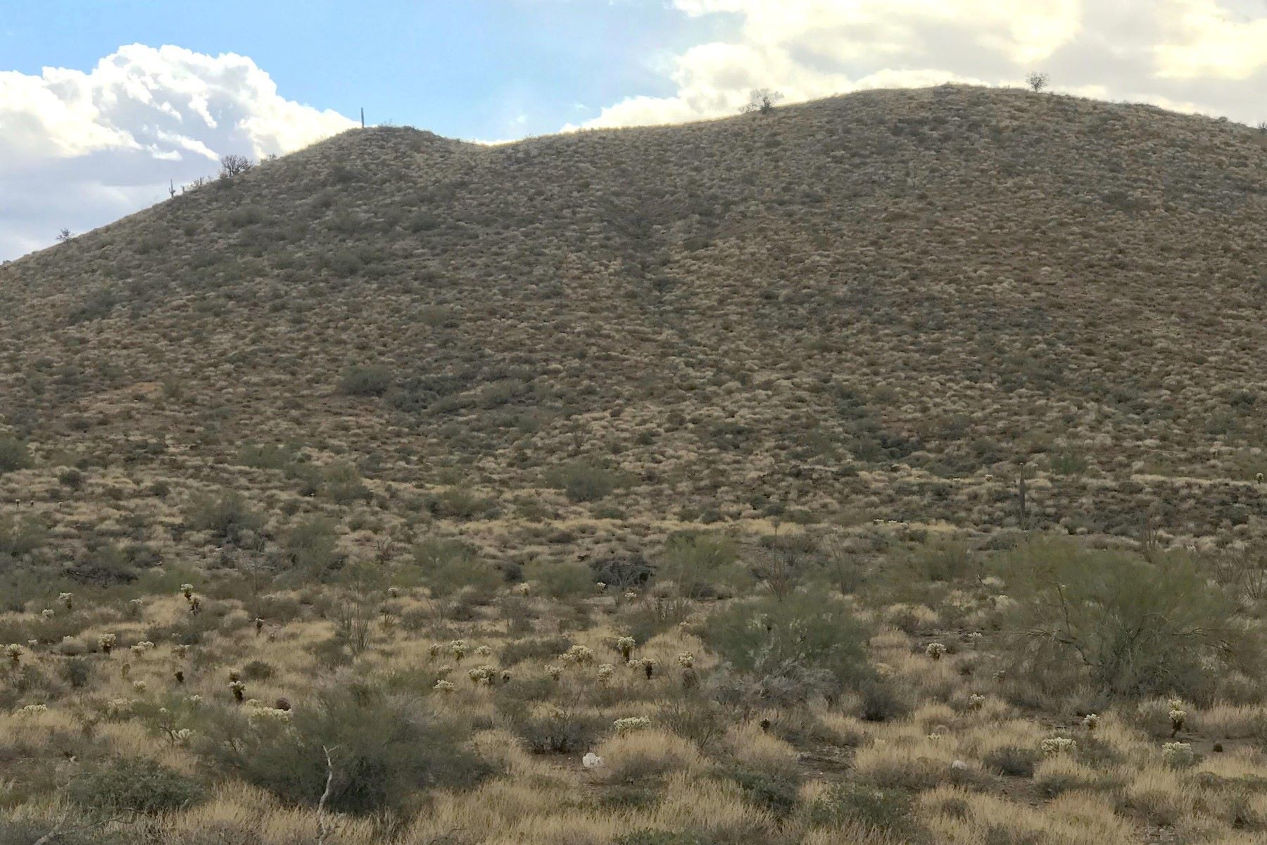 Land for Active at Secluded setting with breathtaking views 45811 N 33RD AVE New River, Arizona 85087 United States
