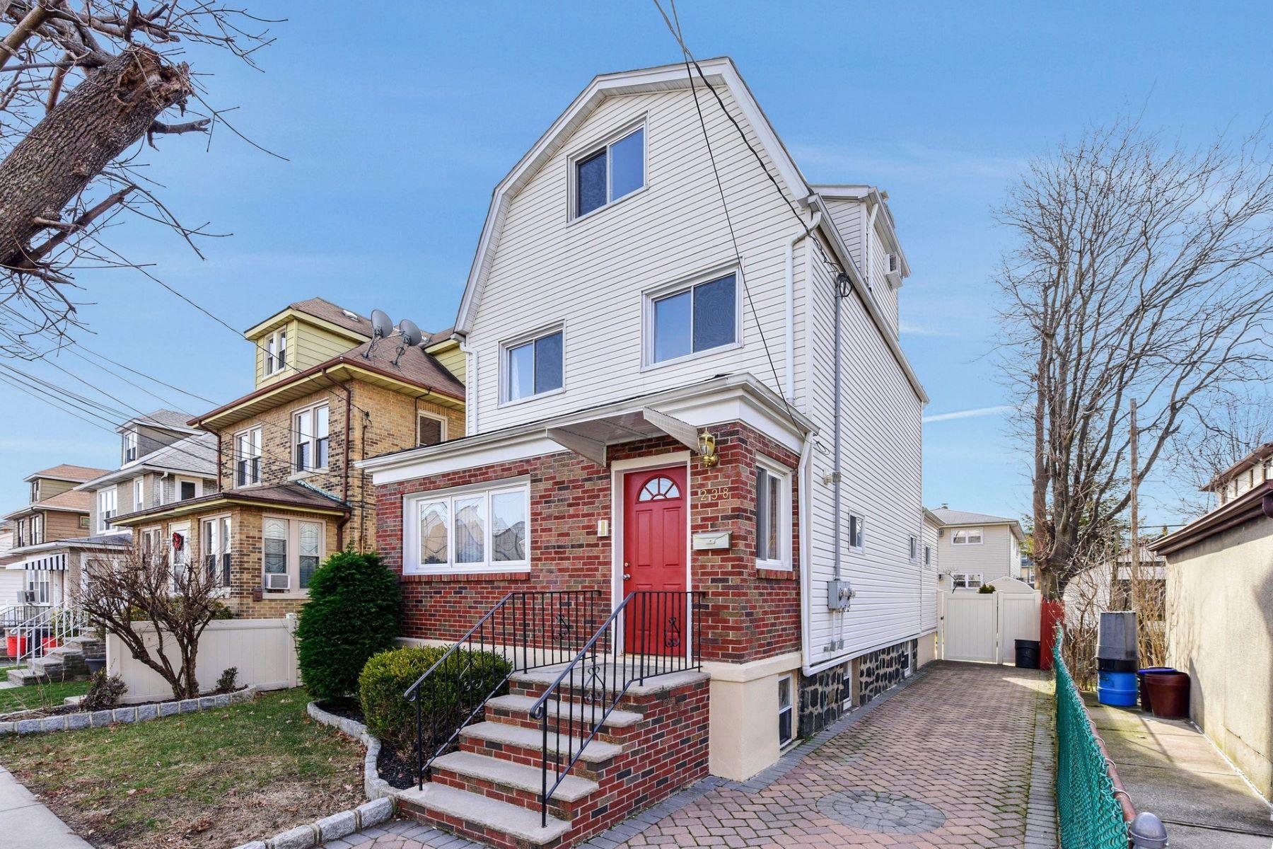Многосемейный дом для того Продажа на Great Opportunity! 238 Desoto Pl, Cliffside Park, Нью-Джерси 07010 Соединенные Штаты