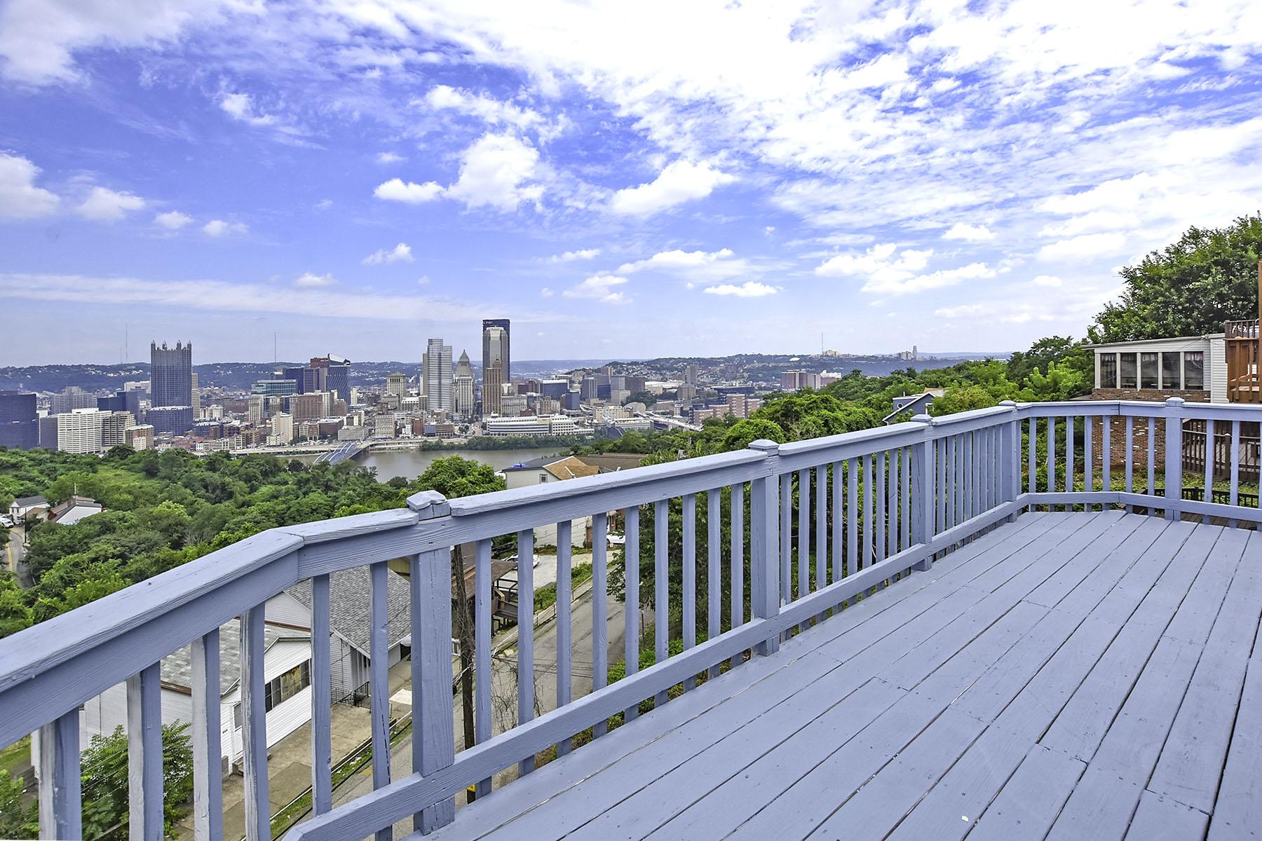 شقة للـ Rent في Renovated Mt. Washington Apartment with Panoramic City Views 15 Bailey Avenue Pittsburgh, Pennsylvania, 15211 United States