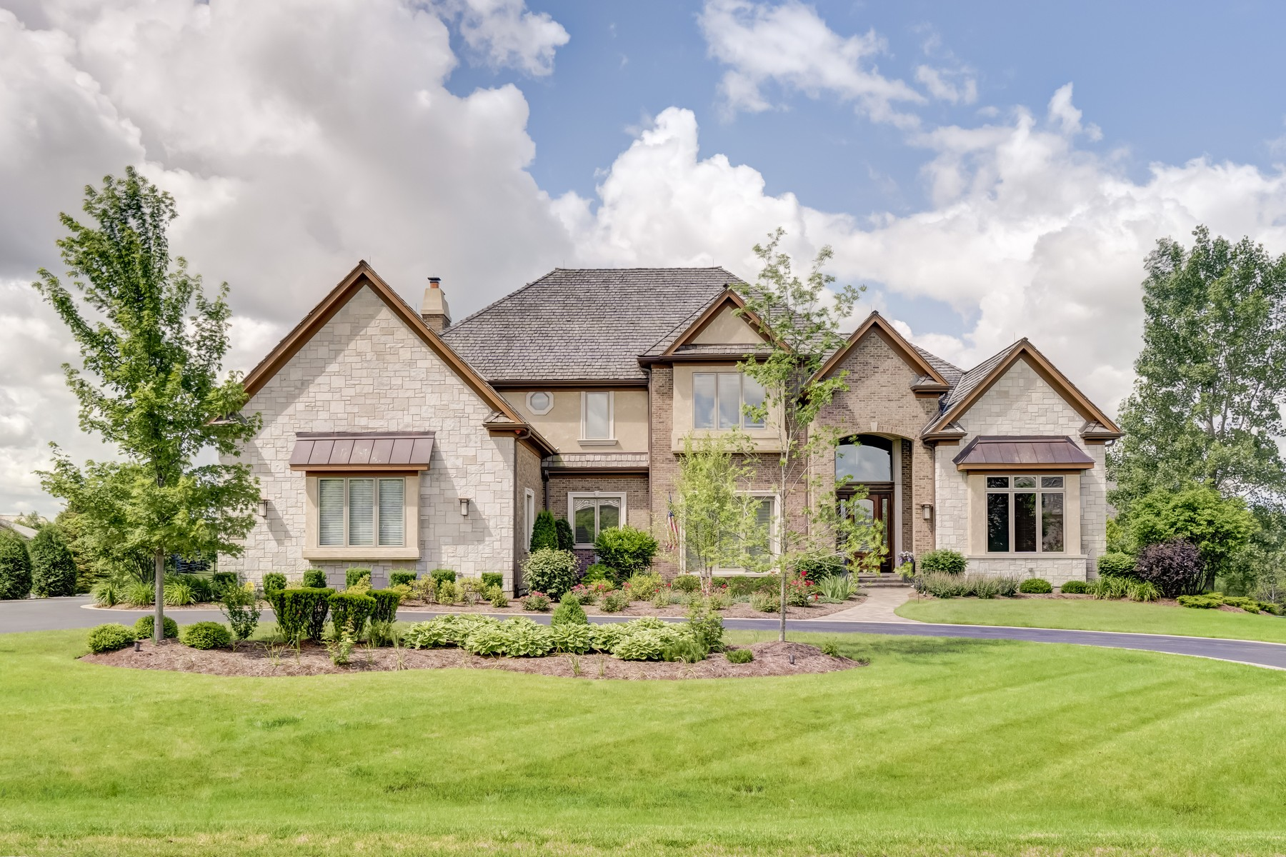 Single Family Home for Sale at Beautiful Luxurious Custom Built Home 1220 Macalpin Drive Inverness, Illinois 60010 United States