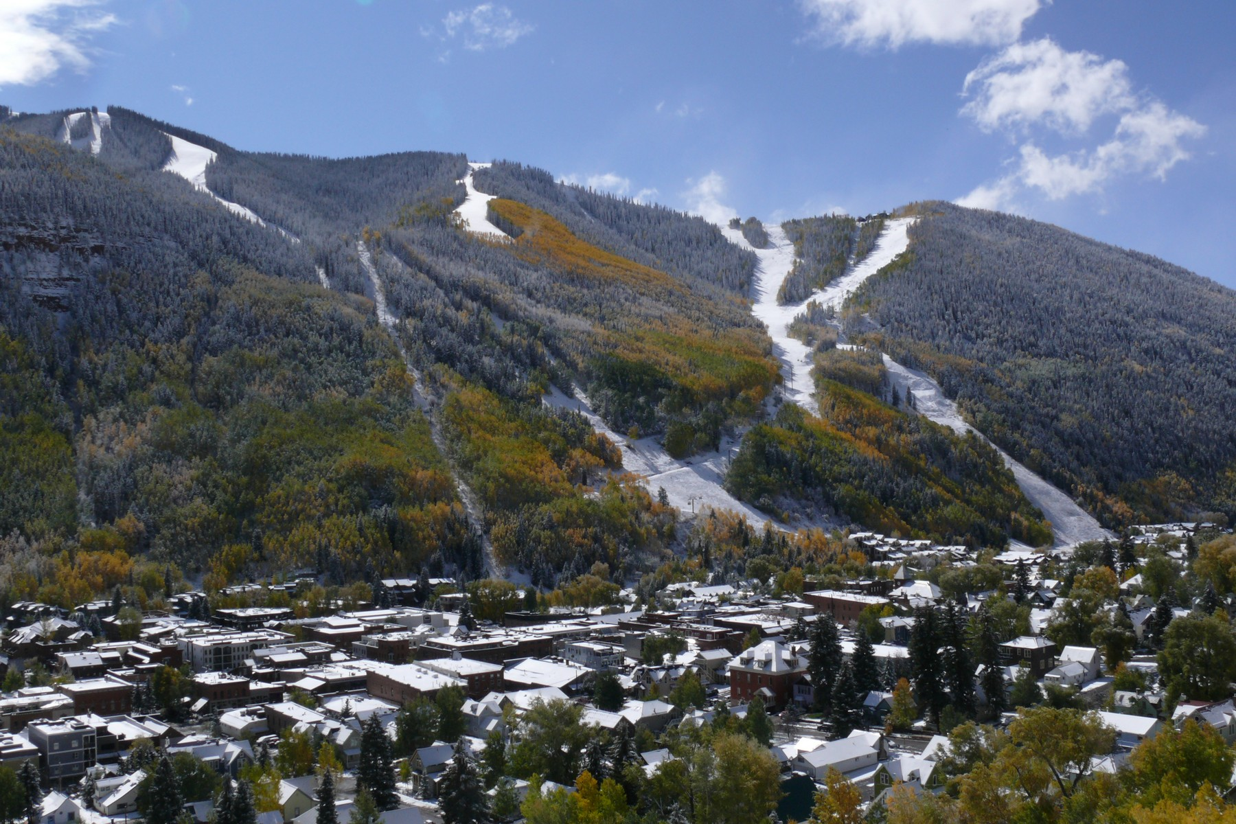 Additional photo for property listing at Stone's Throw 325  West Pacific Avenue Telluride, Colorado 81435 United States