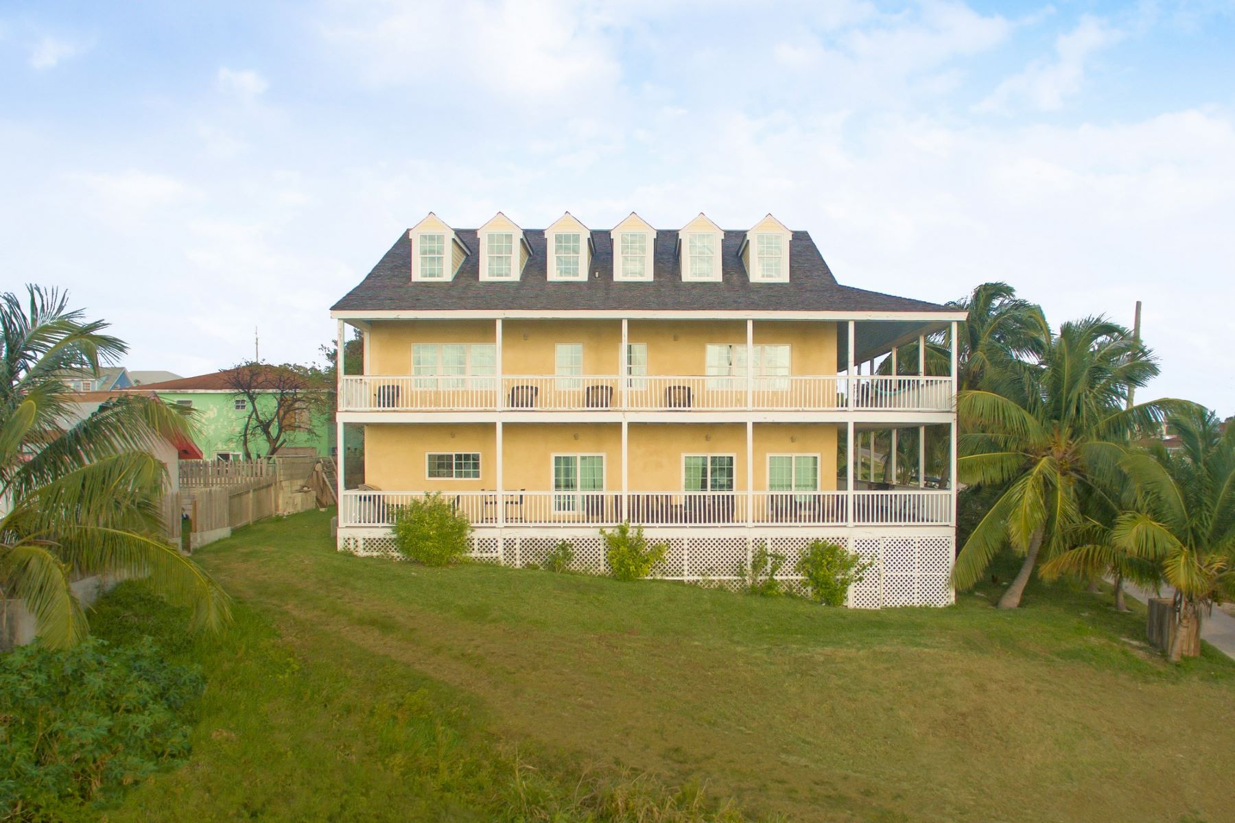 Single Family Home for Sale at SeaDream House Harbour Island, Eleuthera Bahamas