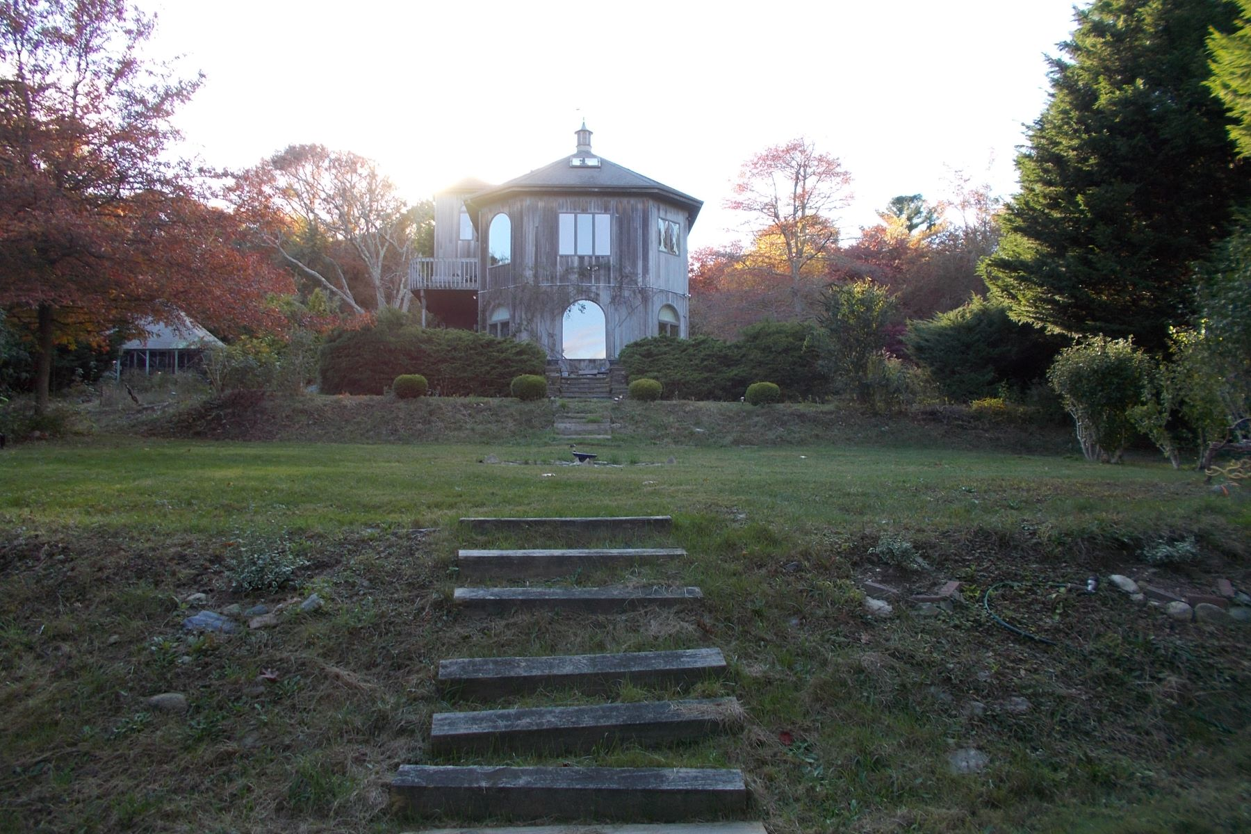 Additional photo for property listing at Glen Farm 272 Glen Farm Road Portsmouth, Rhode Island 02871 United States