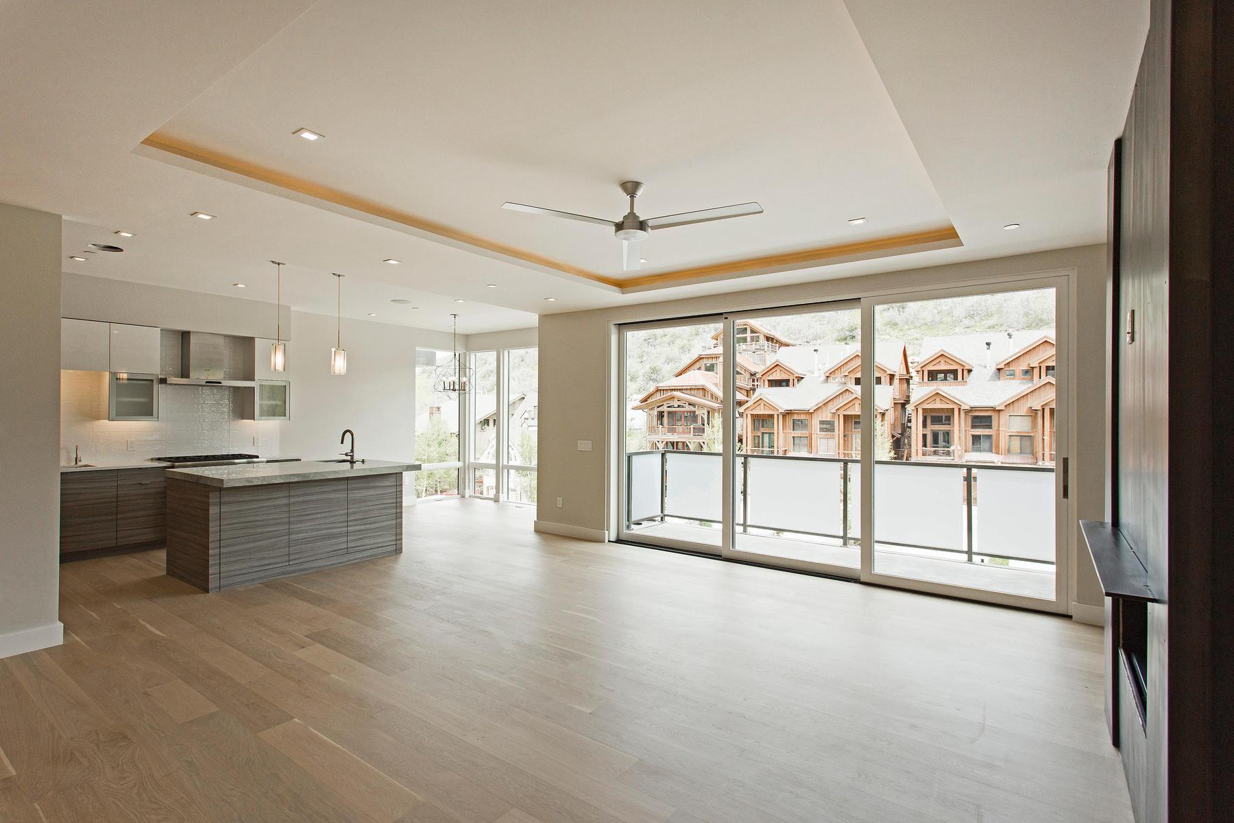 共管式独立产权公寓 为 销售 在 New Contemporary Construction in Old Town 300 Deer Valley Lp #B 帕克城, 犹他州, 84060 美国