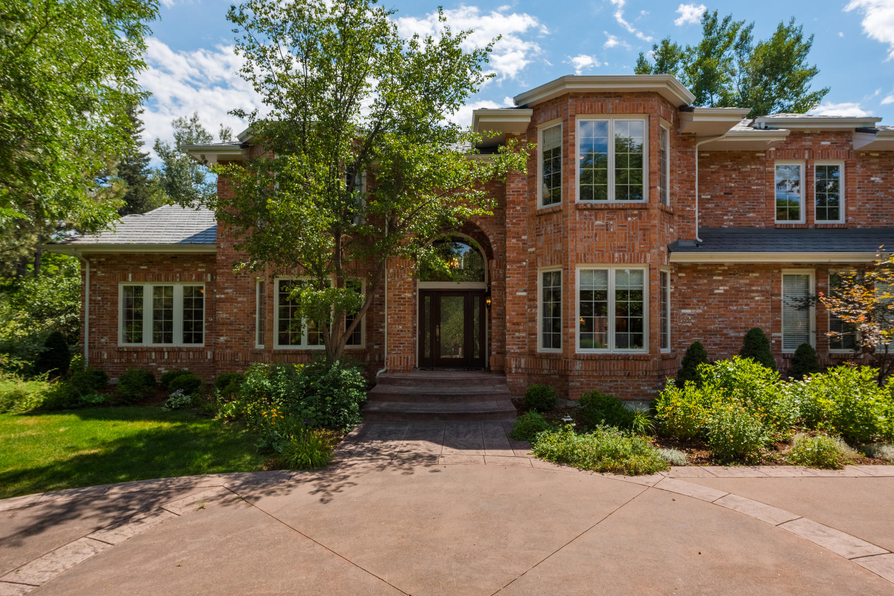 Single Family Homes for Active at Private Home in Greenwood Village 5315 S Race Court Greenwood Village, Colorado 80121 United States